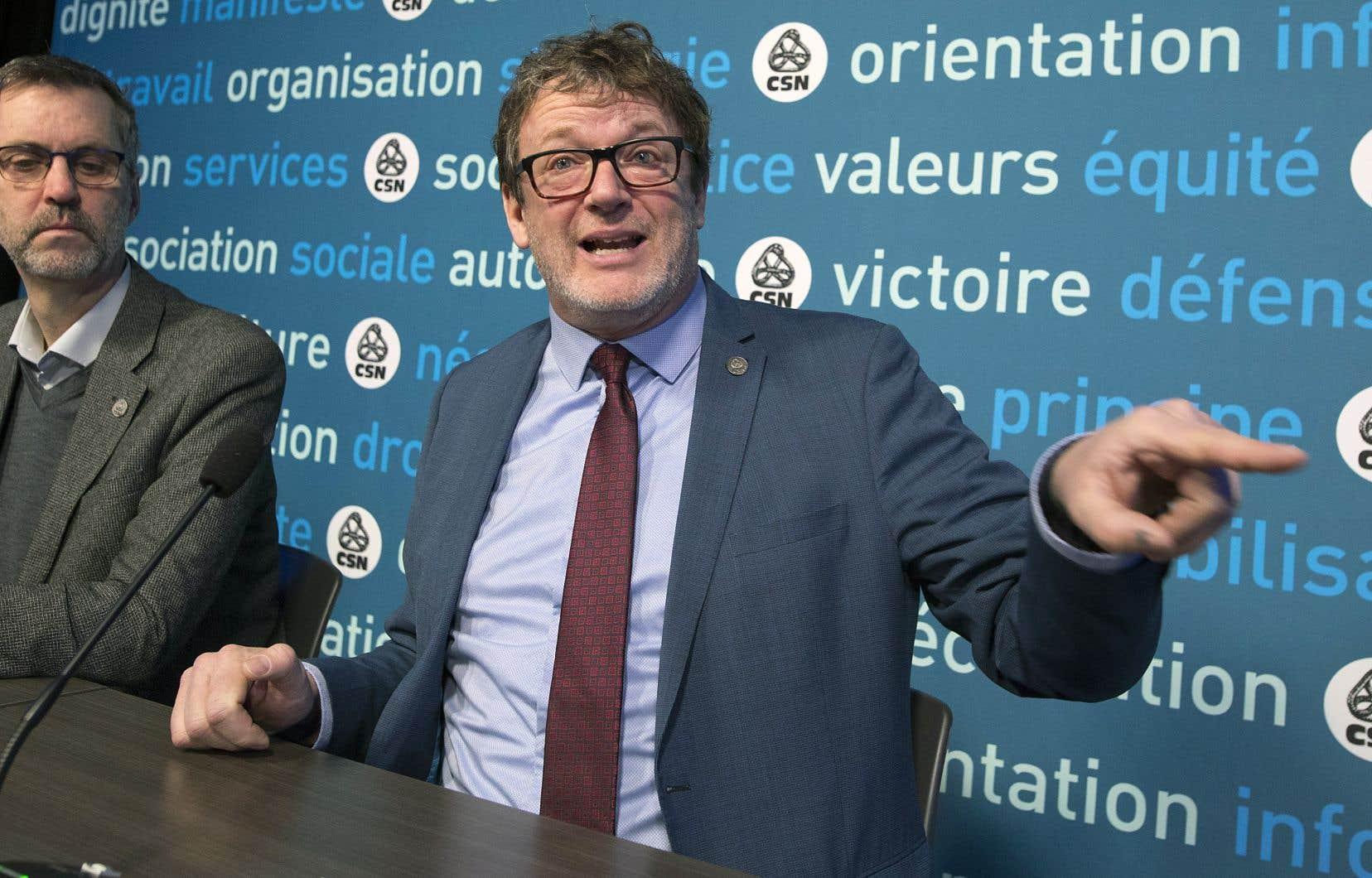 La CSN a énoncé ses priorités de l'année 2019 lors d'une conférence de presse à Montréal, vendredi. Son président, Jacques Létourneau, a prévenu qu'elle suivrait de près le nouveau gouvernement de la CAQ, qu'elle dénonce déjà sur certains dossiers.