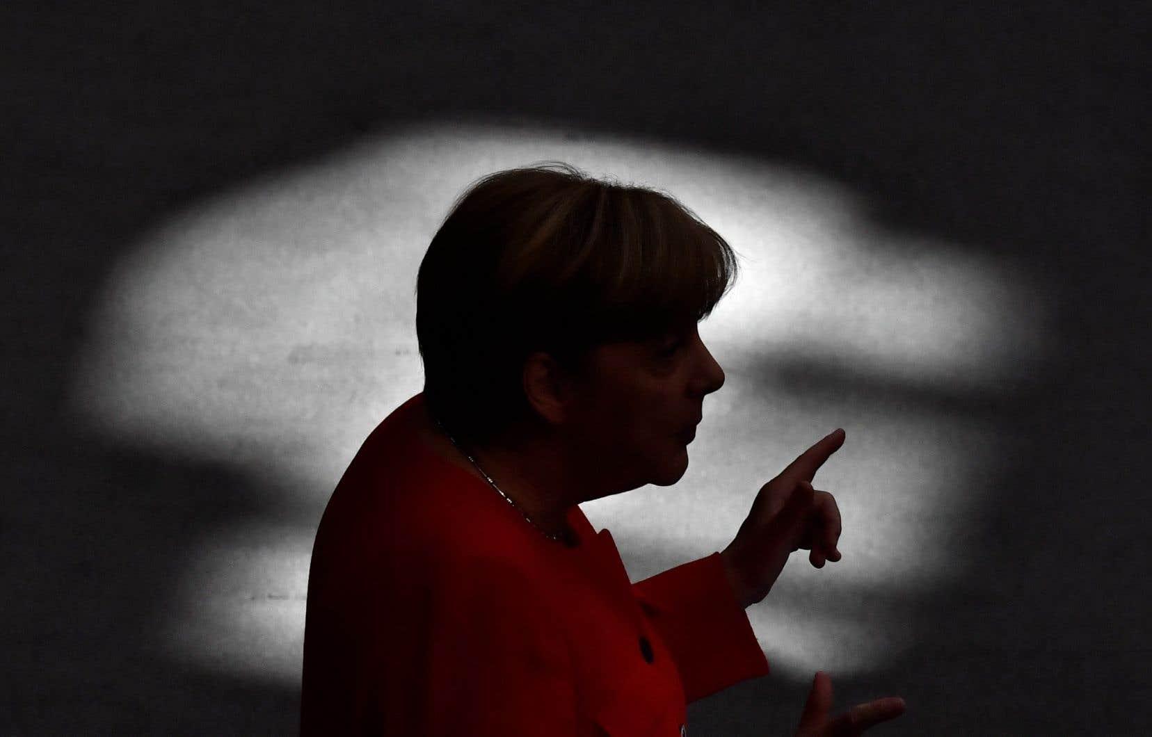 La divulgation de données privées d'un millier de responsables politiques et de personnalités en Allemagne, dont la chancelière Angela Merkel (notre photo),a mis en émoi le pays vendredi.