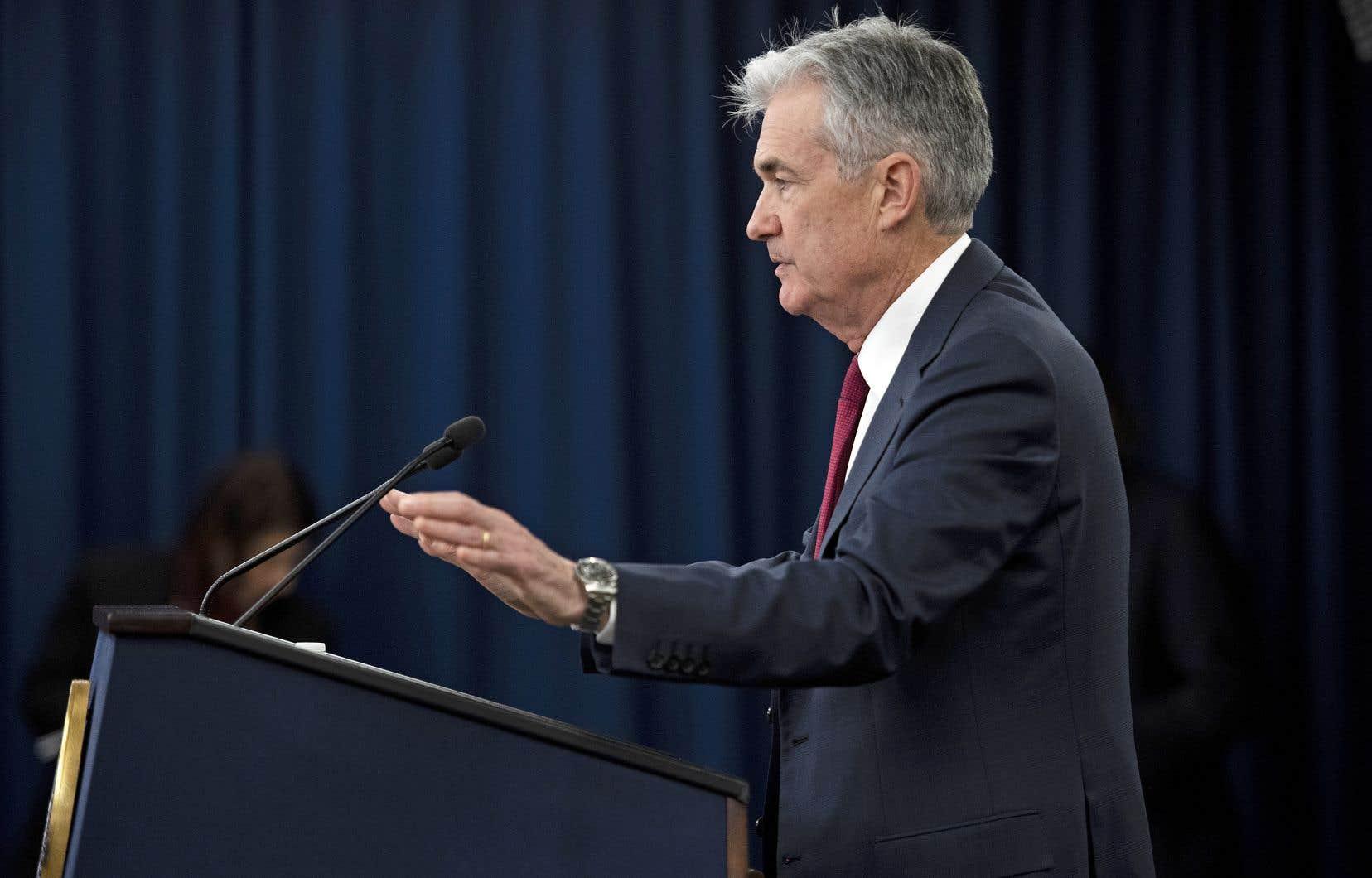 JeromePowell a affirmé vendredi que face à l'inflation modeste et aux «inquiétudes» des marchés vis-à-vis d'un ralentissement économique, la Fed serait «patiente» en surveillant «comment l'économie évolue».
