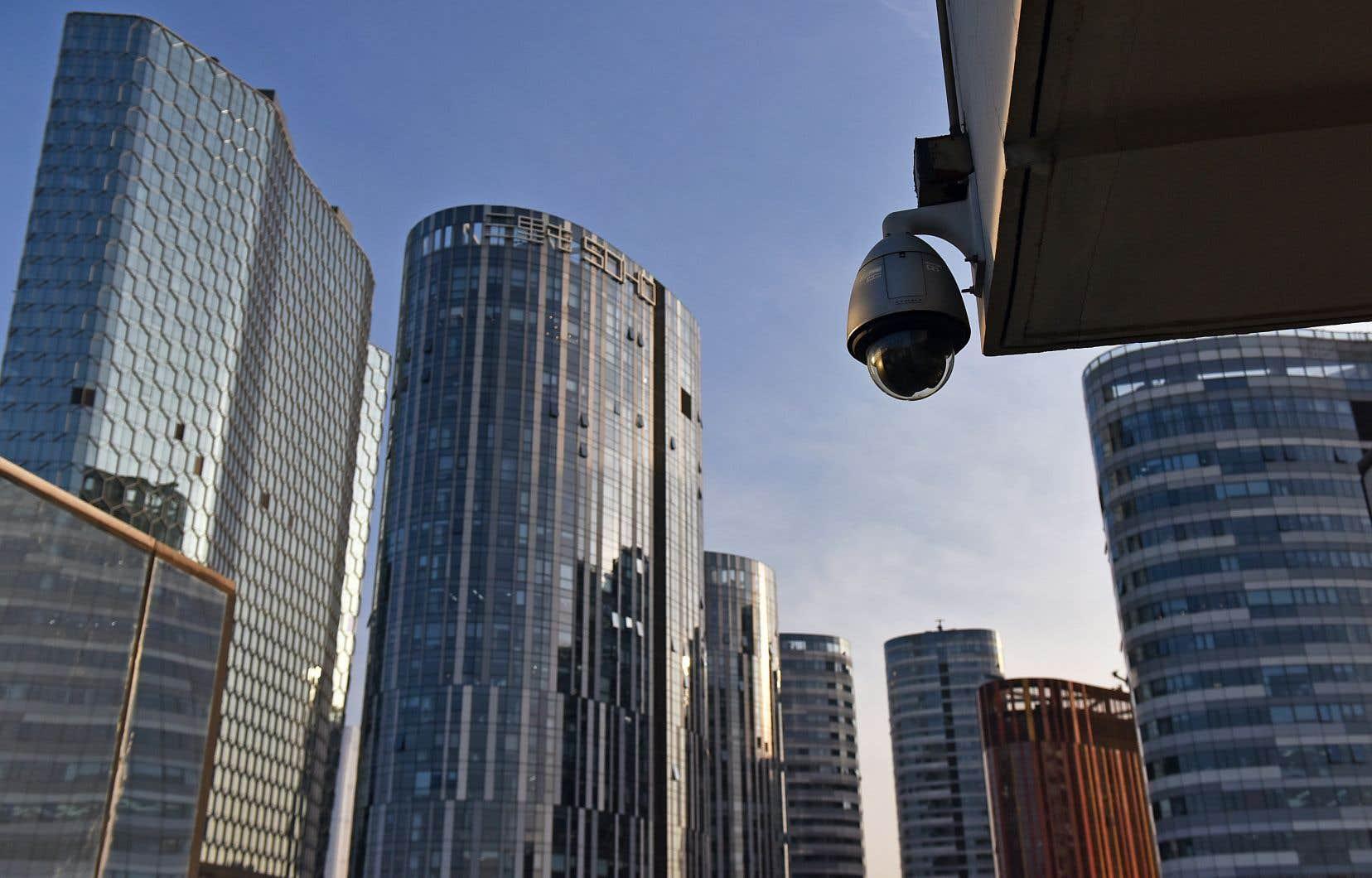 Le logiciel de reconnaissance faciale et 170 millions de caméras de surveillance permettent d'identifier 1,37 milliard de Chinois en l'espace de quelques minutes.
