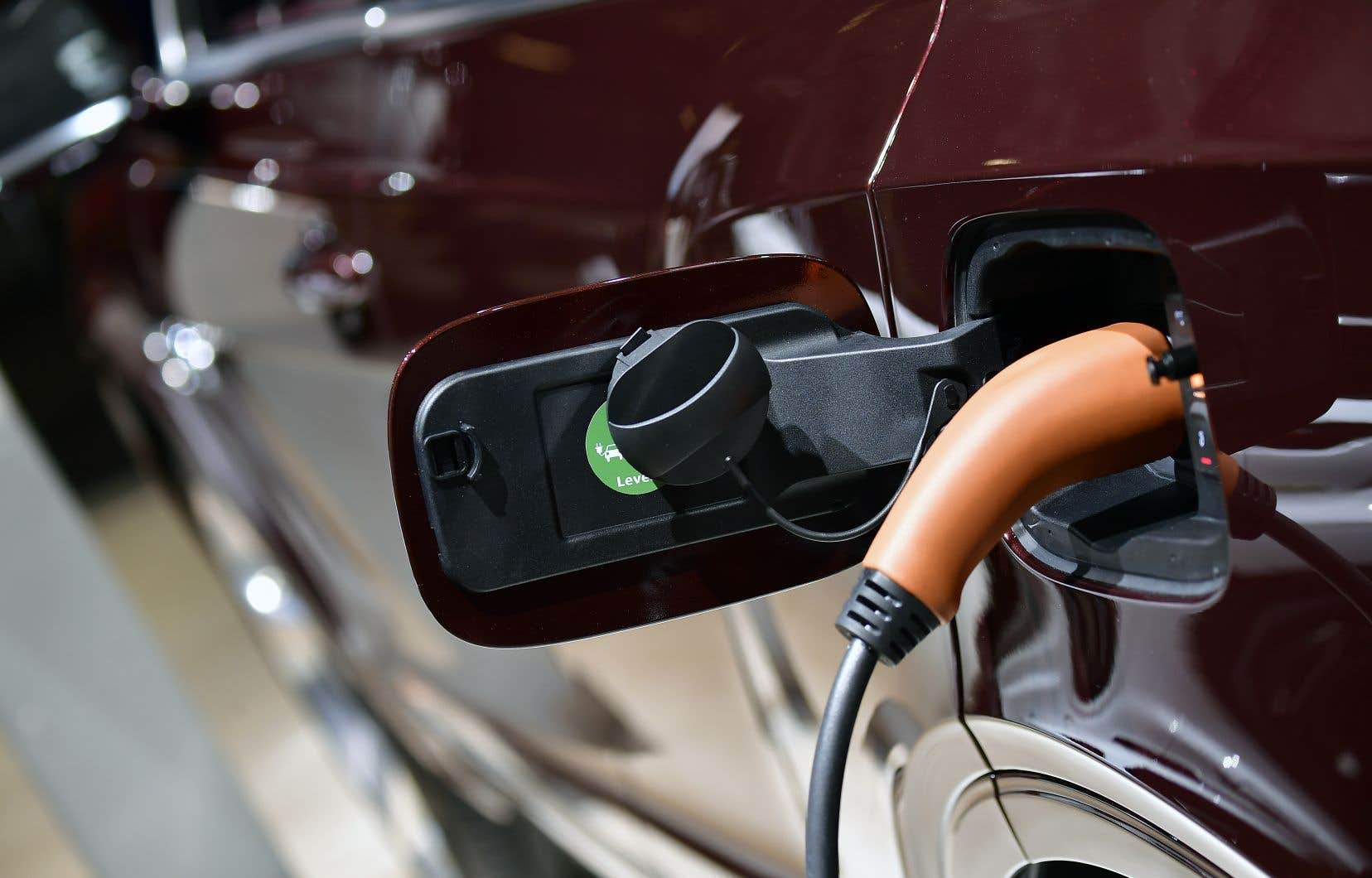 Plus de 24000 véhicules électriques circulaient sur les routes de la province en date du 31mars 2018, selon l'Association des véhicules électriques du Québec.