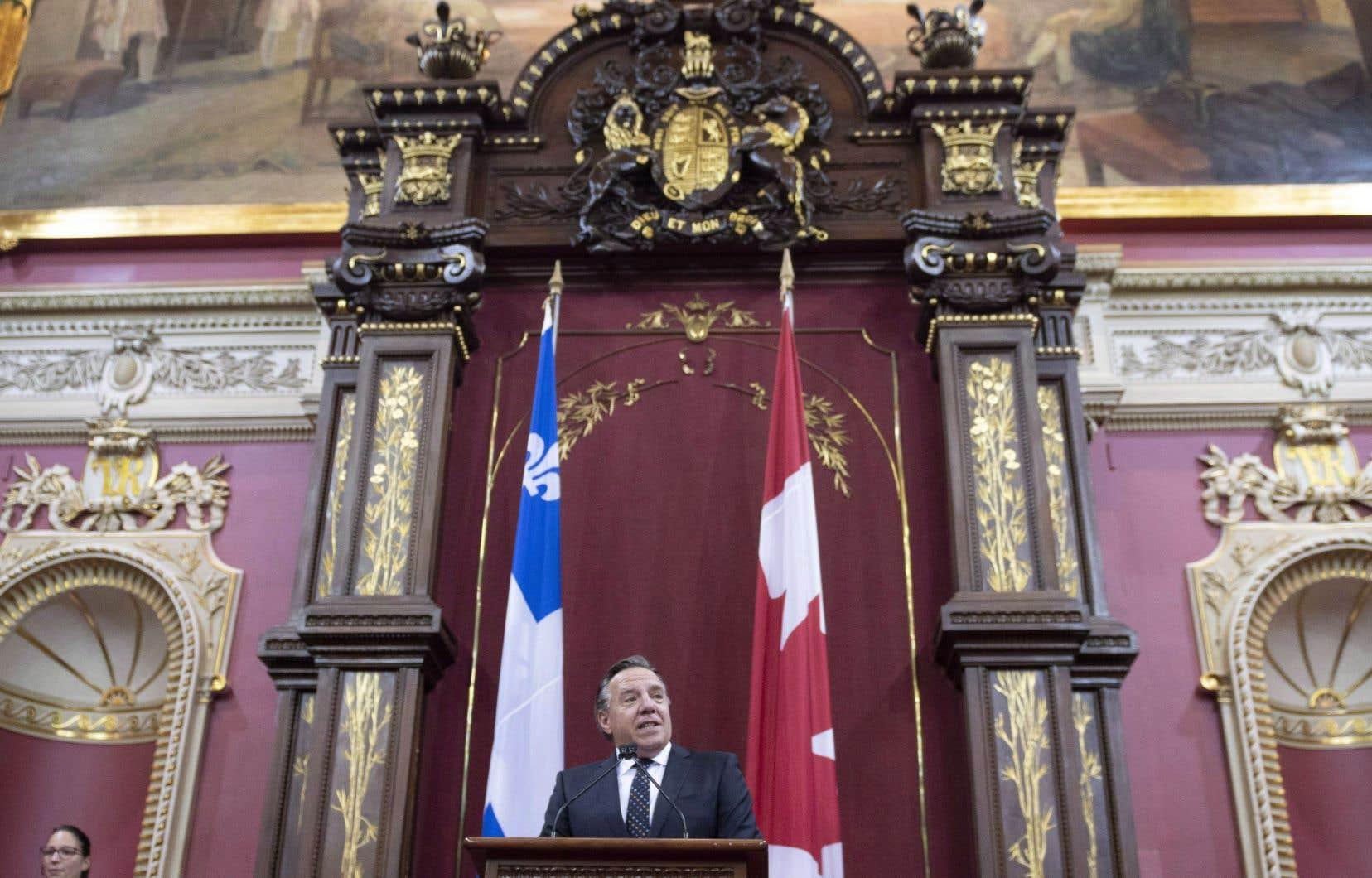 Le Conseil des ministres de François Legault compte 26 personnes, 14 hommes et 12 femmes.