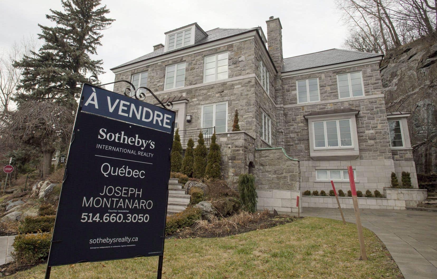 Selon Sotheby's International Realty Canada, le nombre de maisons de 1million et plus vendues l'an dernier a baissé de 26% à Vancouver.