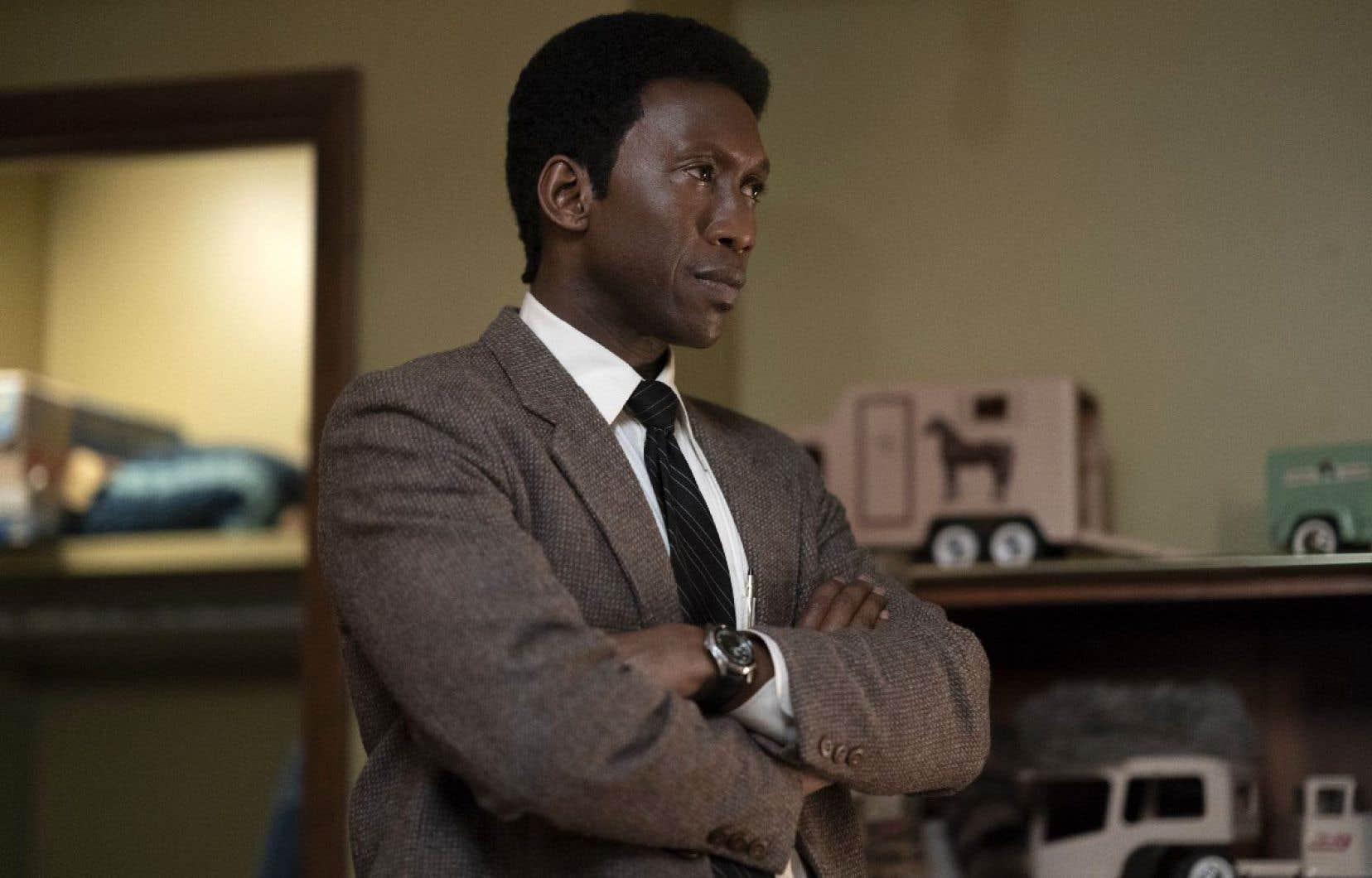 Mahershala Ali joue le rôle du détective Wayne Hays.