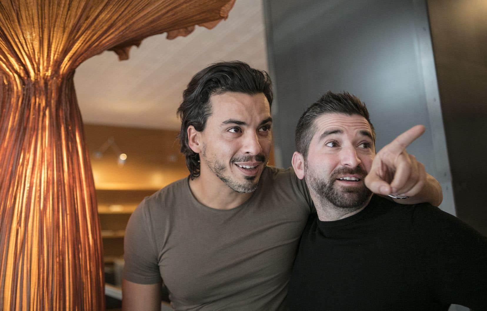 L'acteur français Tewfik Jallab et le cinéaste Guy Édoin