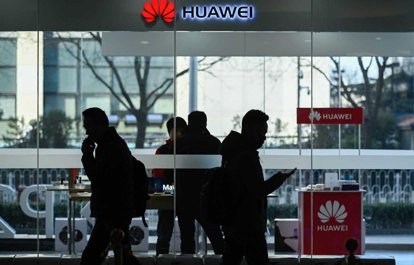Huawei n'a pas confirmé si le suspect était bien un de ses employés, disant simplement «regarder de près» ces informations.