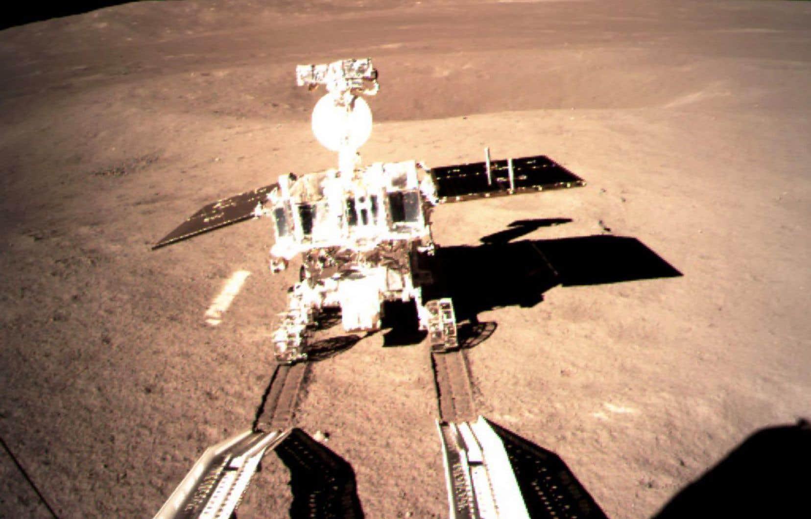 L'agence spatiale chinoise vient de réussir avec la sonde «Chang'e-4» le premier alunissage de l'histoire sur la face cachée de la Lune.