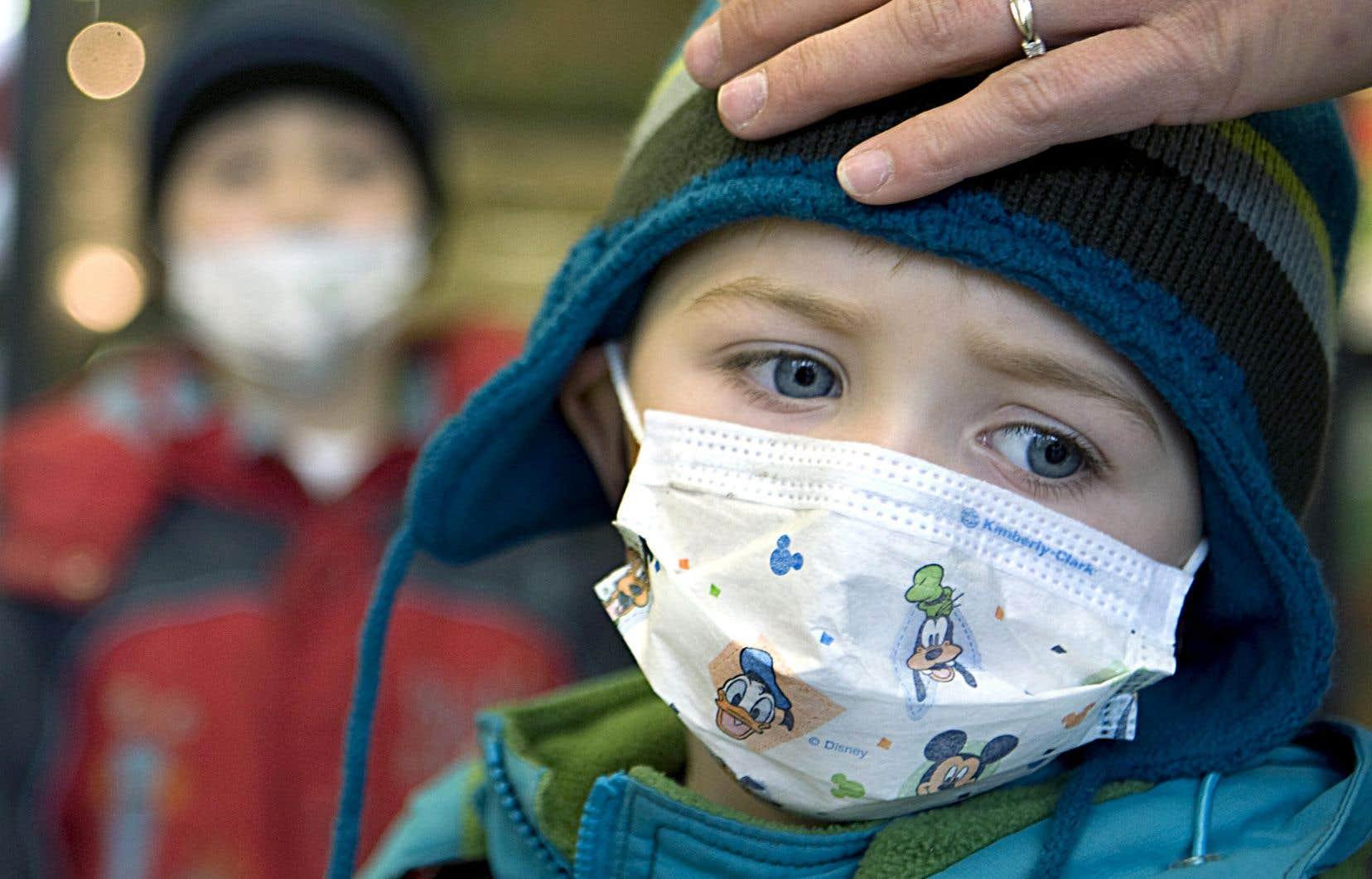 Frappées par une saison grippale précoce, plusieurs urgences de Montréal et de ses couronnes ont dépassé leur pleine capacité.