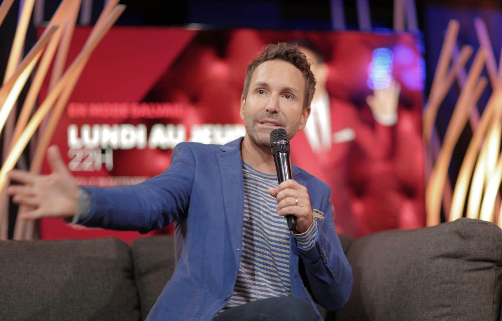 À l'automne 2017, Éric Salvail avait brusquement quitté la sphère médiatique québécoise après des allégations d'inconduite sexuelle.