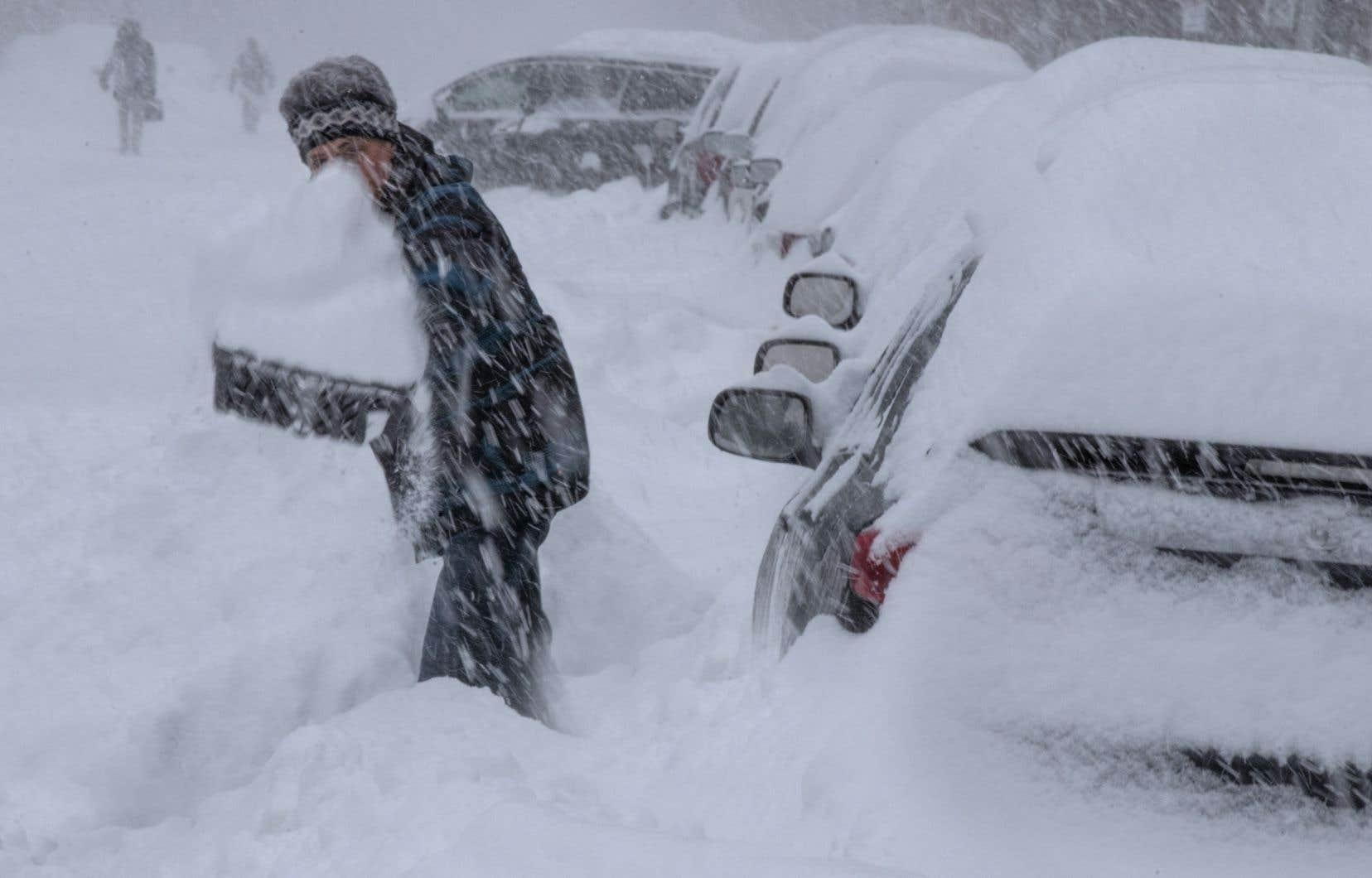 Une temp te de neige s 39 abattra sur le qu bec d s samedi le devoir - La ren des neige ...