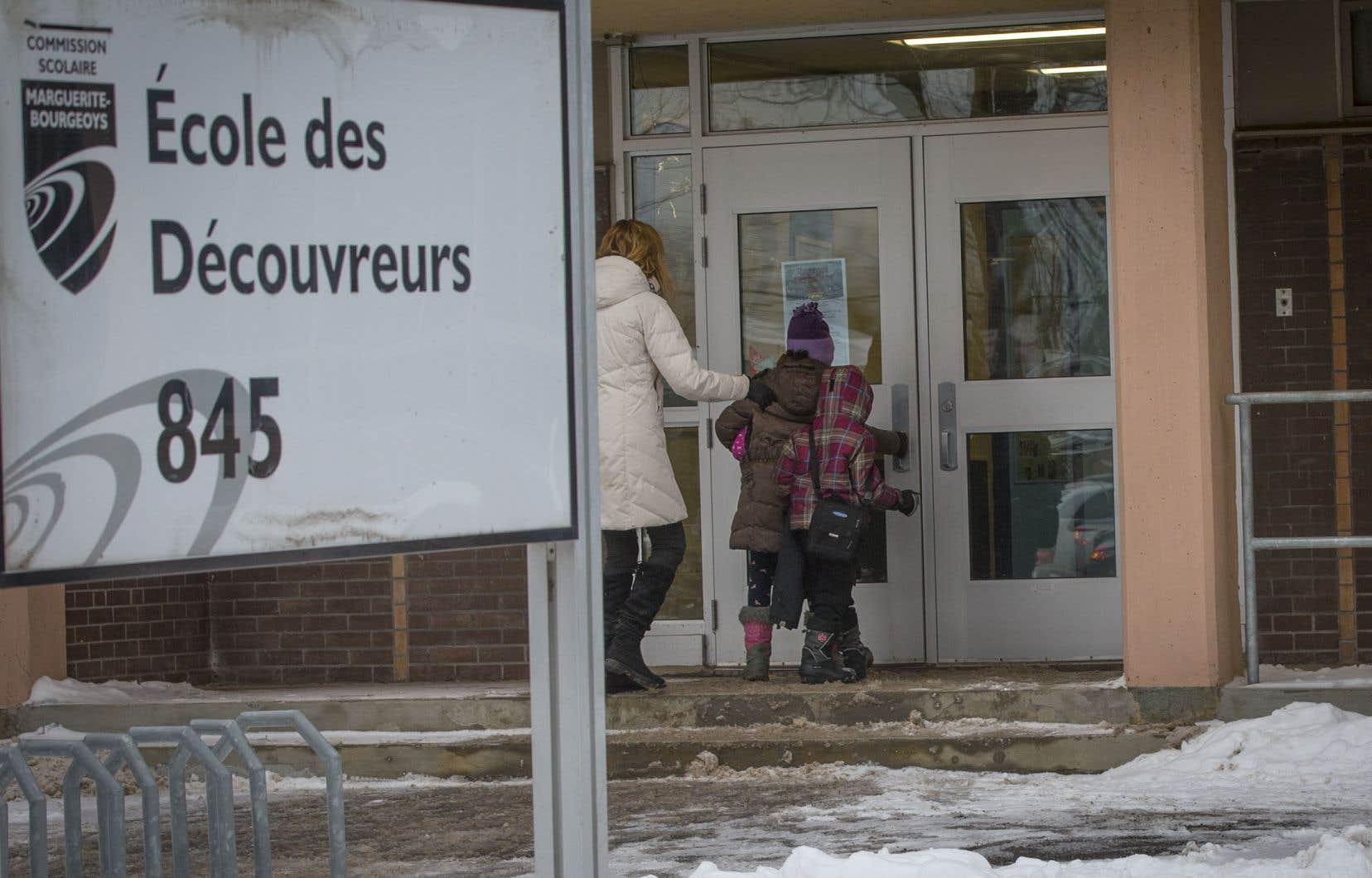 Les écoliers étaient de retour en classe mercredi à l'école des Découvreurs.