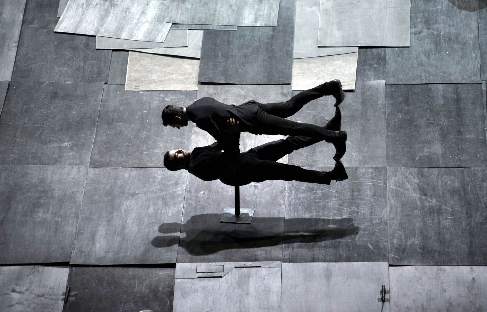 Les danseurs Costas Chrysafidis et Ektor Liatsos