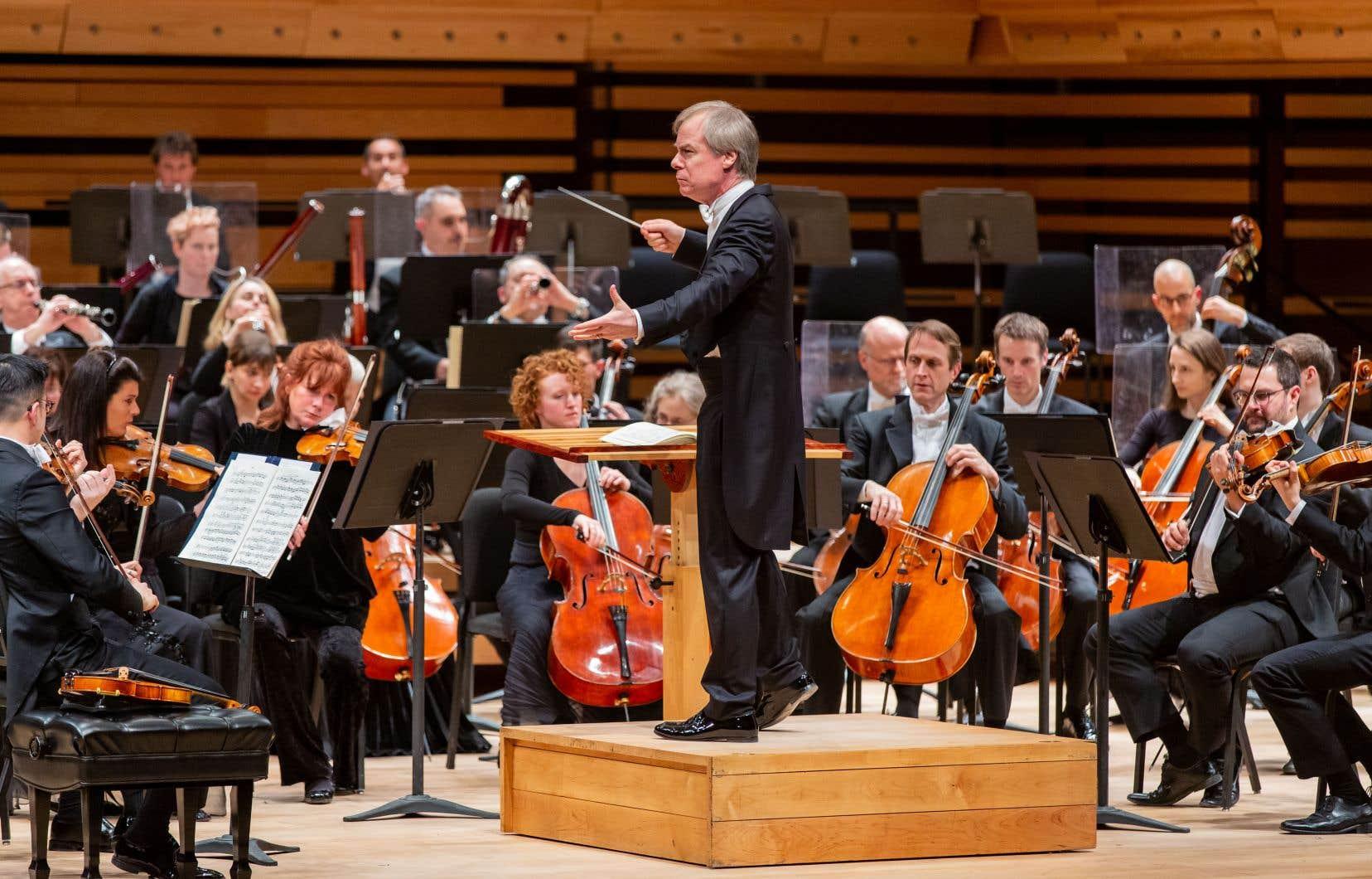 Les trois concerts (un mercredi, deux jeudi) de David Robertson avaient en commun la «4eSymphonie» de Mahler.