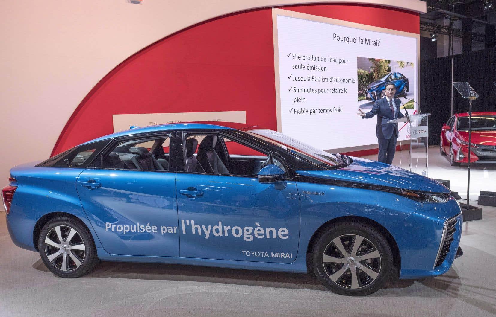 Dans le monde, l'hydrogène est le plus souvent produit à partir de gaz naturel. Cependant, il est prévu que celui vendu à Québec soit produit sur place par électrolyse de l'eau.