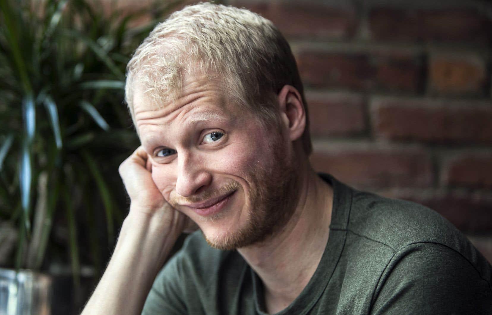 L'humoriste Simon Leblanc a remporté en 2017 l'Olivier de l'auteur de l'année (avec son collègue Olivier Thivierge).