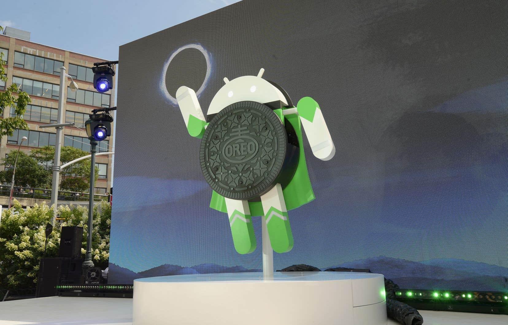 Pour son enquête, la CNIL a accompli le parcours que doit faire un nouvel utilisateur de téléphone Android, pour établir un compte Google et se servir de son appareil.