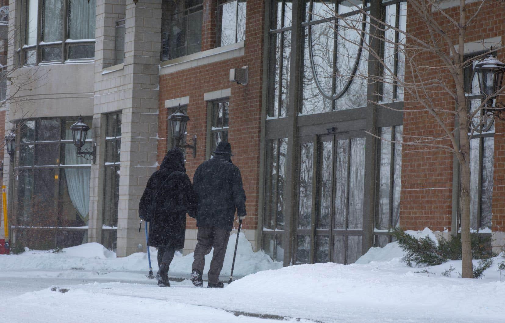 En 2016, au moins trois aînés vivant en résidences sont décédés d'hypothermie dans des conditions similaires.
