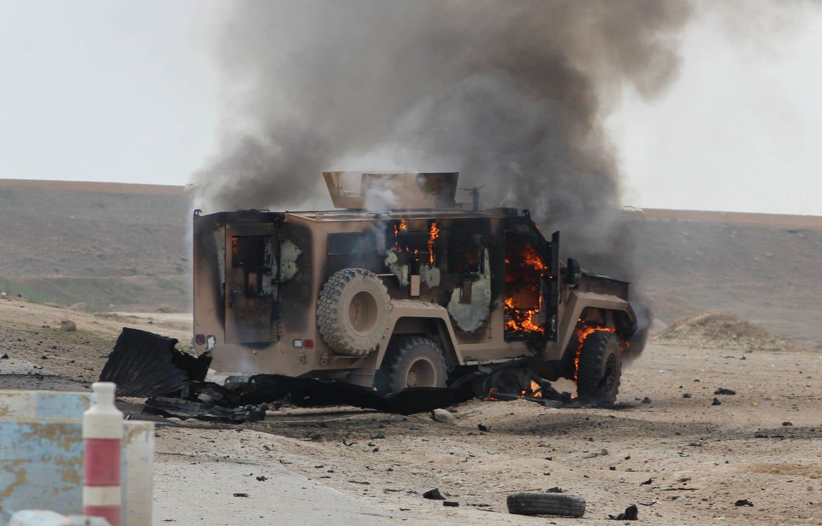 <p>Le groupe EI a rapidement revendiqué «une attaque suicide menée avec une voiture piégée», selon son organe de propagande Amaq.</p>