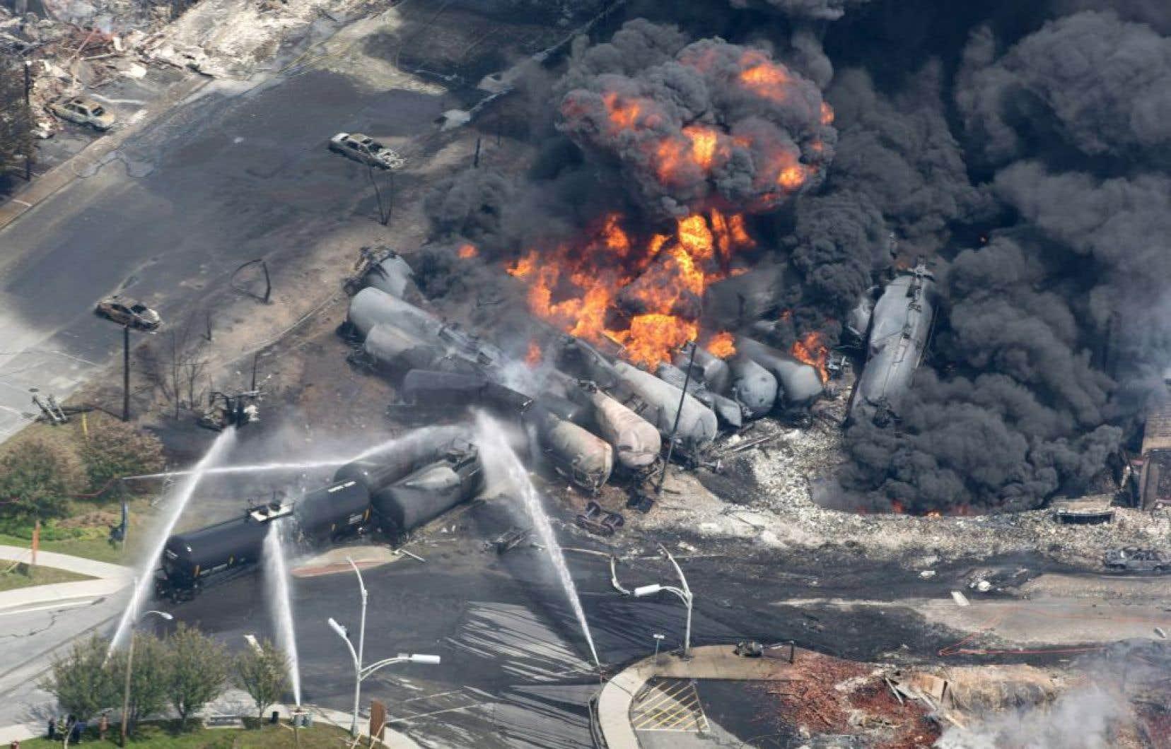 La ministre Nathalie Roy avait vivement dénoncé samedi l'utilisation des images de la catastrophe de Lac-Mégantic, qui avait fait 47 morts.