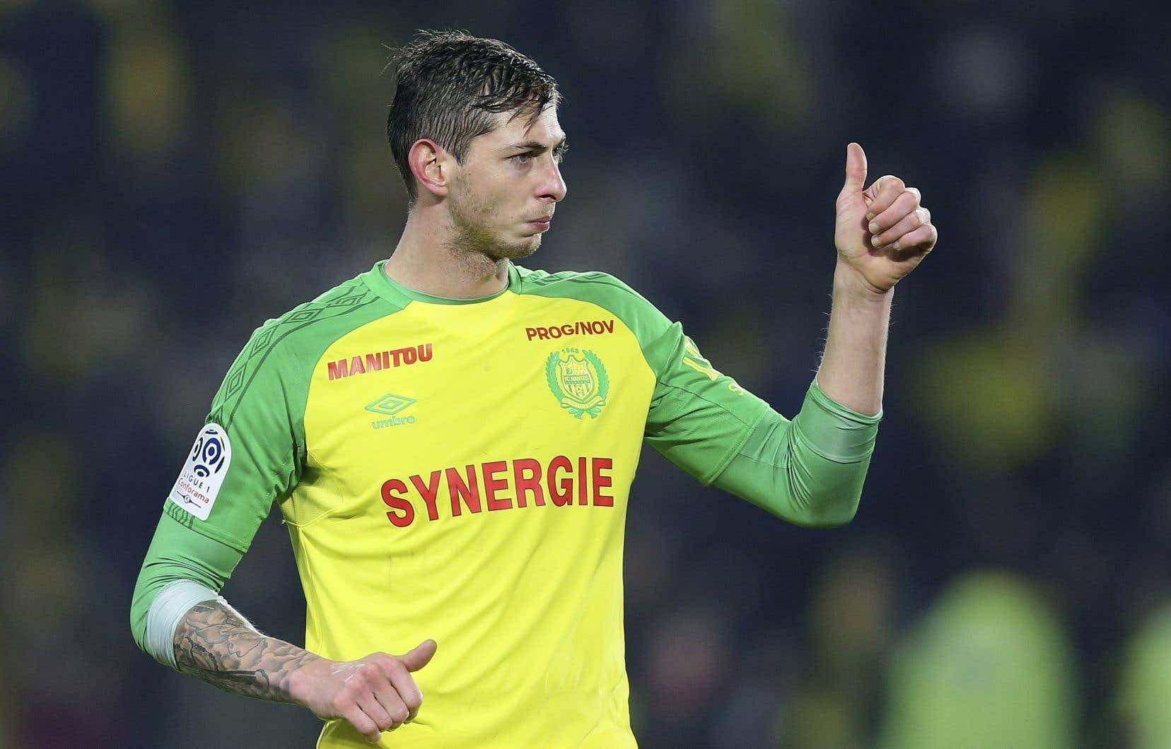 <p>Âgé de 28ans, Sala avait passé les heures précédentes à faire ses adieux aux joueurs de l'équipe de soccer de Nantes après que la formation de Cardiff lui eut consenti le plus imposant contrat de son histoire la semaine dernière.</p>