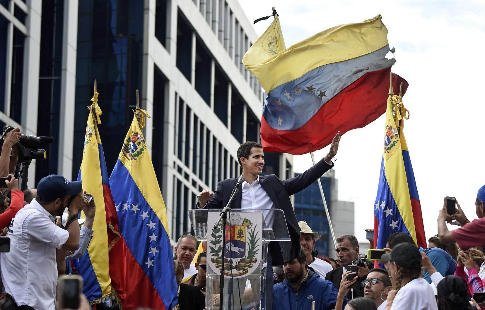 Juan Guaidó a livré un discours devant des dizaines de milliers de partisans réunis à Caracas.