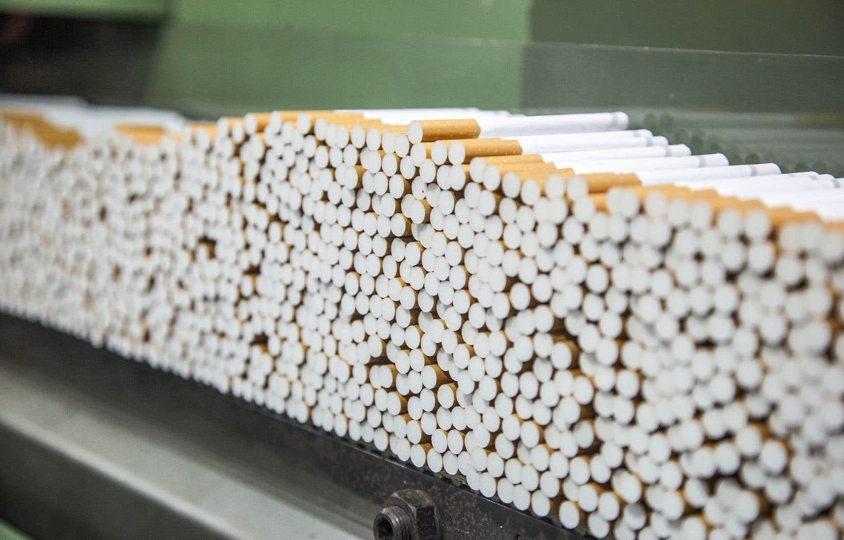 Le Québec et le Canada doivent rapidement adopter des «protocoles» pour forcer la transparence des intervenants prenant part aux débats publics sur la santé et le tabagisme, selonFlory Doucas, coordonnatrice de la Coalition québécoise pour le contrôle du tabac.