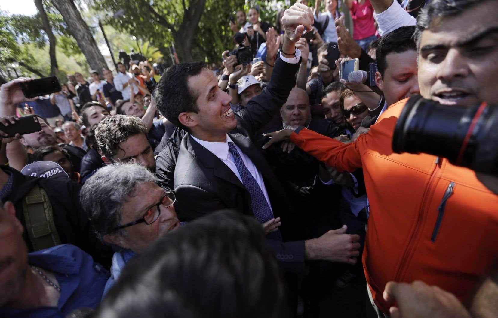 Les diplomates canadiens à Caracas et leurs homologues latino-américains ont travaillé plusieurs mois afin de coaliser les partis de l'opposition derrière Juan Guaidó.