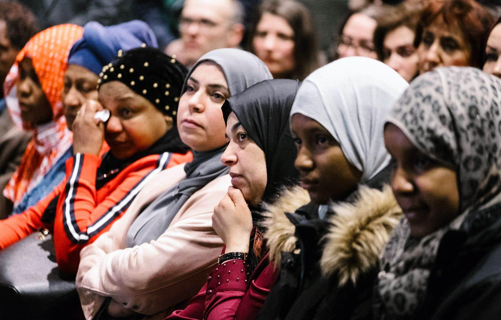 Une partie de l'assistance à la cérémonie en hommage aux victimes de l'attentat à la mosquée de Québec