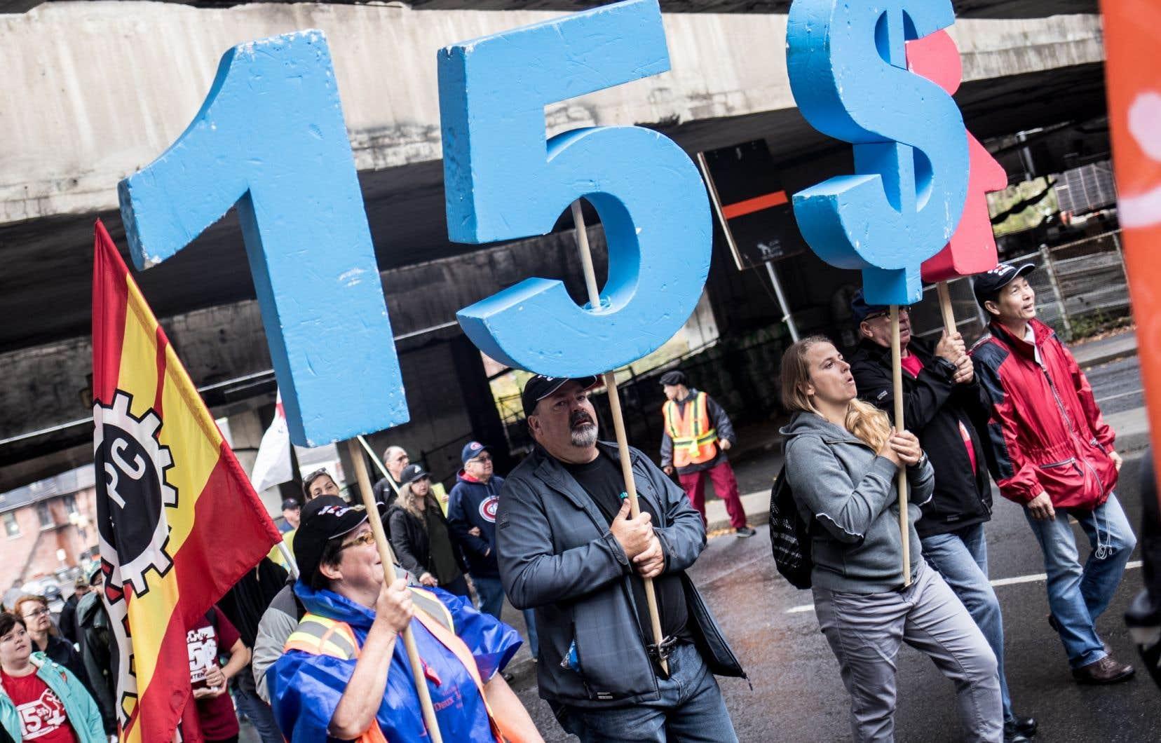 L'annonce du ministre Boulet a également pour effet de devancer d'au moins un an l'atteinte de la barre des 50% du salaire horaire moyen, chiffré par Québec à 25$ en 2018.