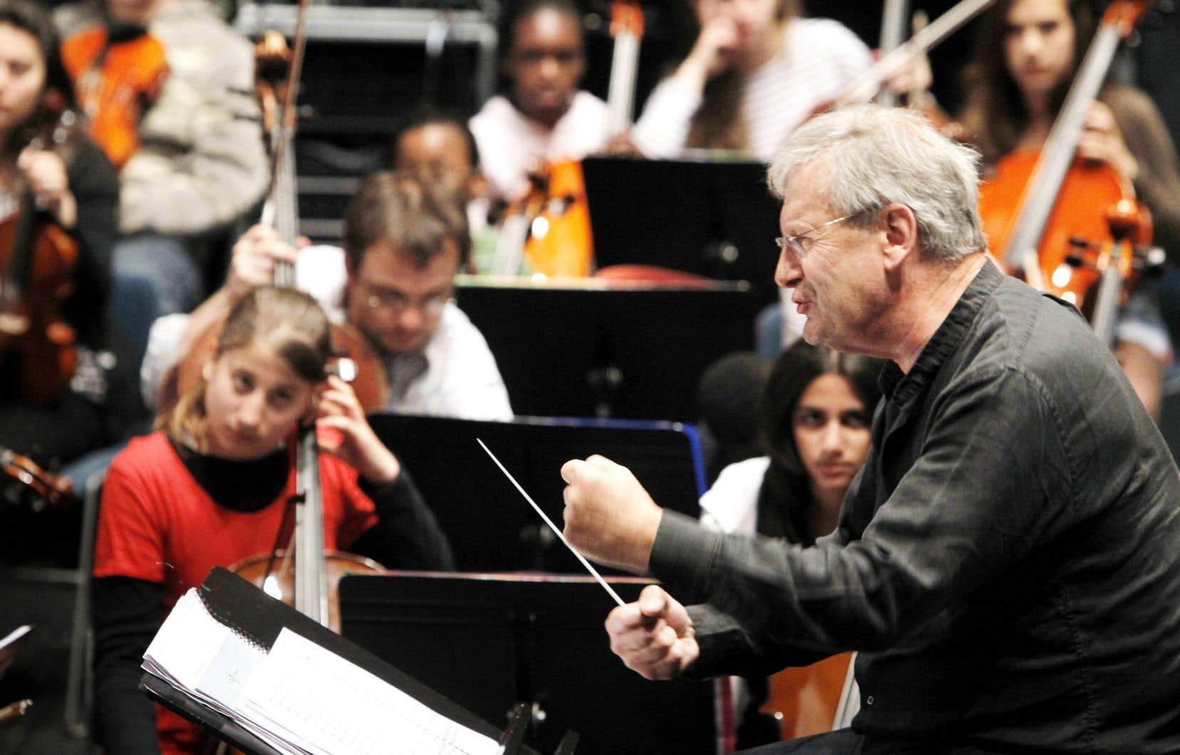 John Eliot Gardiner fait partie des chefs qui, ces dernières années, ont tenté de dépouiller Brahms de ses oripeaux romantiques.