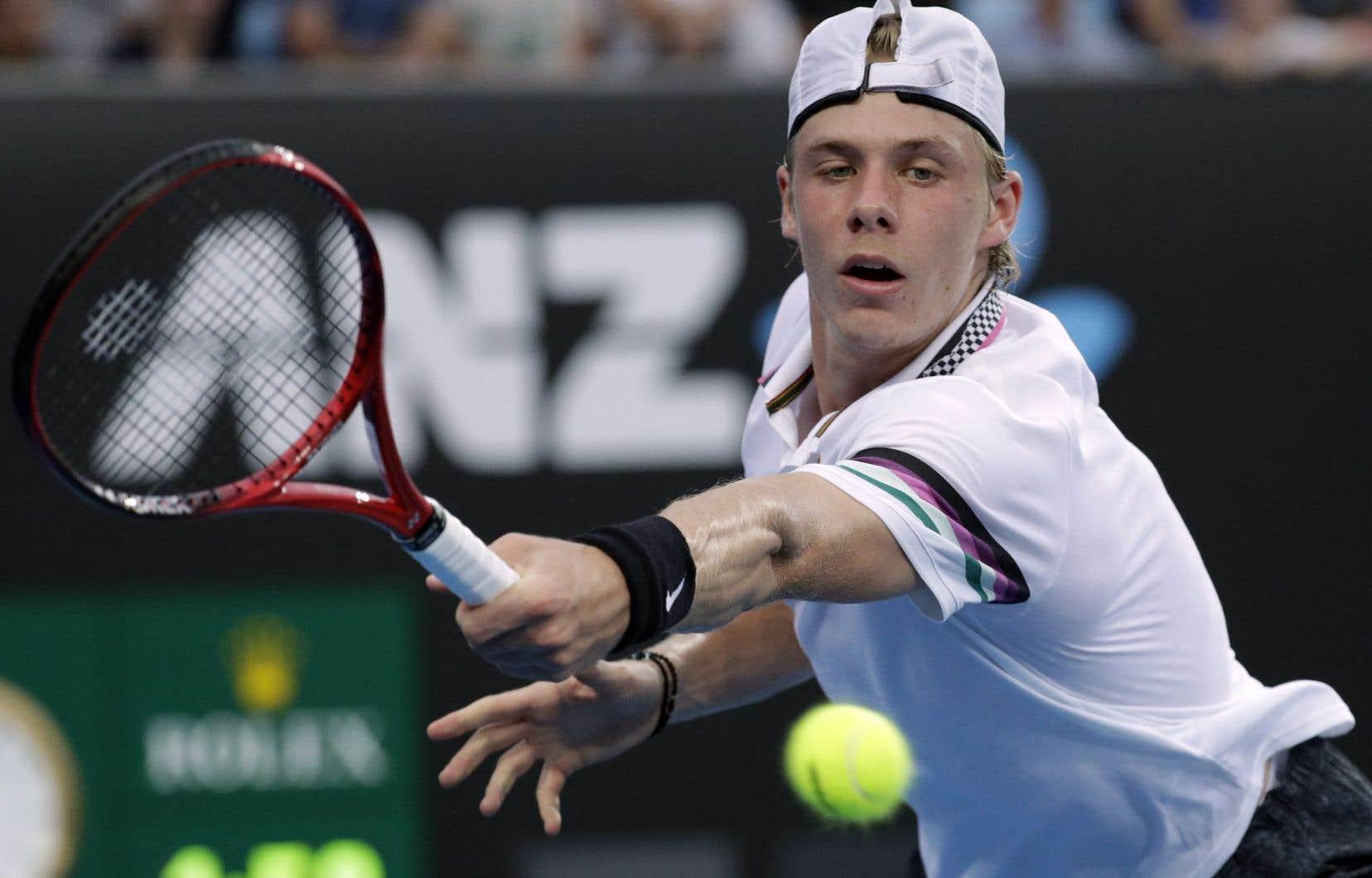Âgé de 19ans, Shapovalov occupe le 25erang du classement de l'ATP, le plus haut pour un joueur de moins de 20ans.