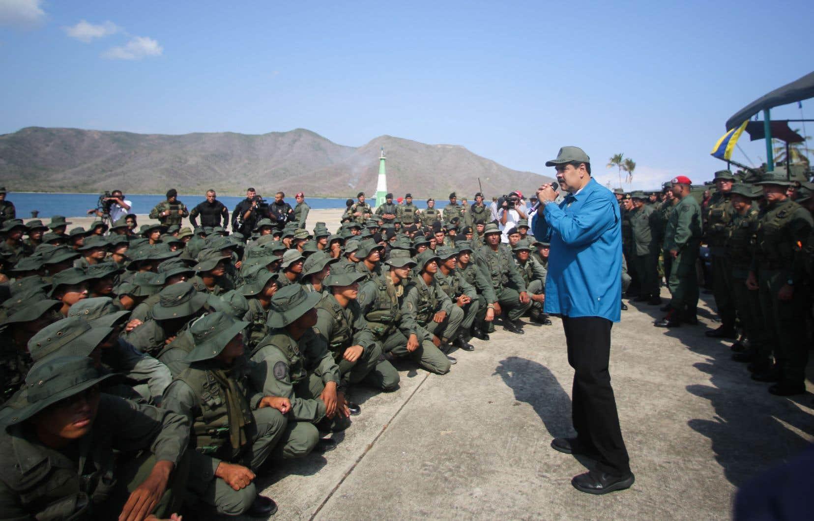 Le président Nicolás Maduro a livré un discours dimanche aux troupes de la base navale de Turiamo, dans l'État d'Aragua.