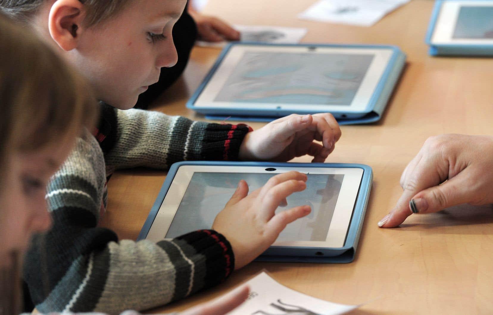 «Nous avons aussi la responsabilité de mettre nos expertises à la disposition des jeunes», estiment les auteurs.