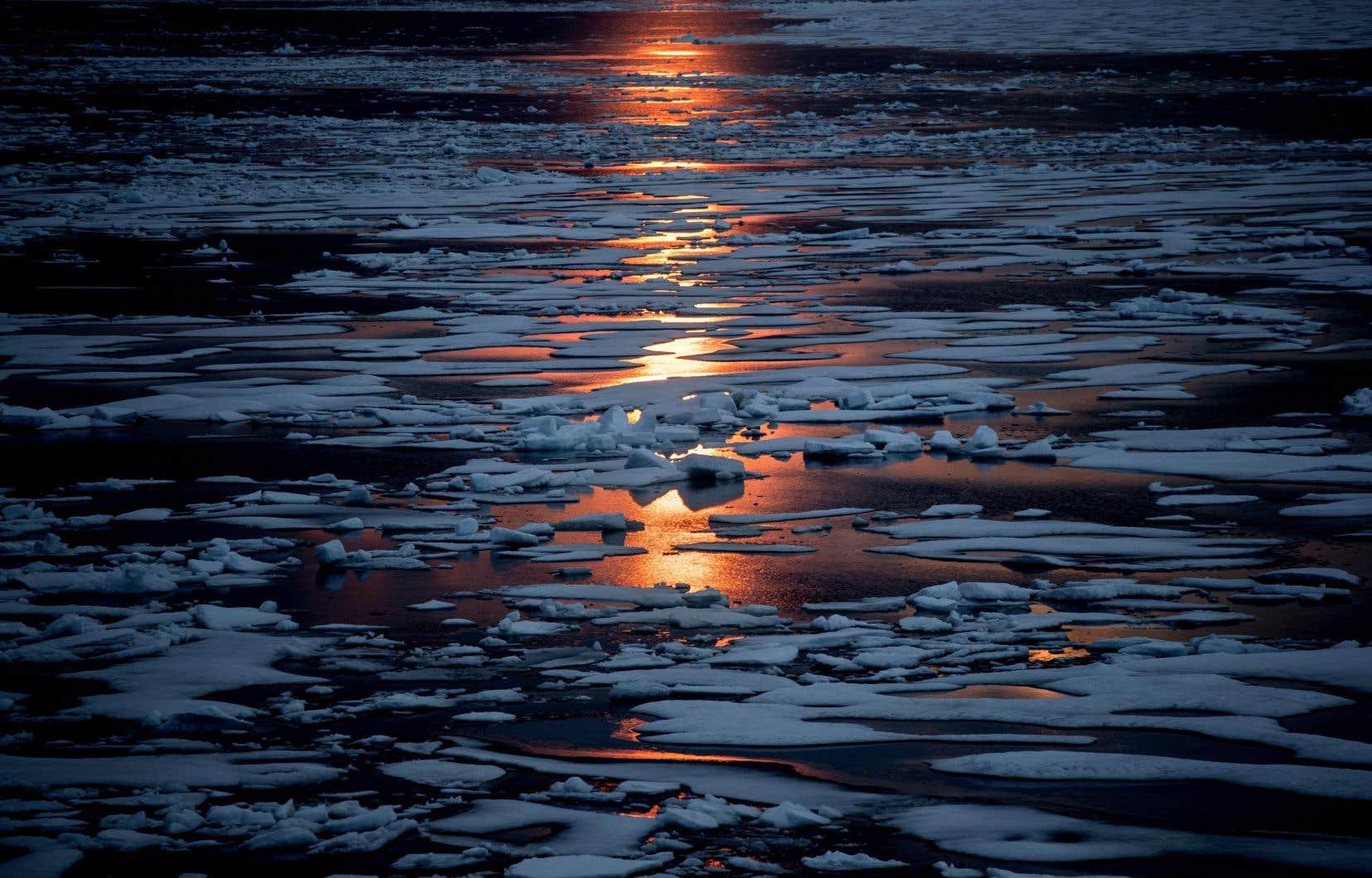 Le Nord magnétique, au fil des siècles, s'est déplacé de façon plus ou moins imprévisible dans les archipels du Grand Nord canadien.