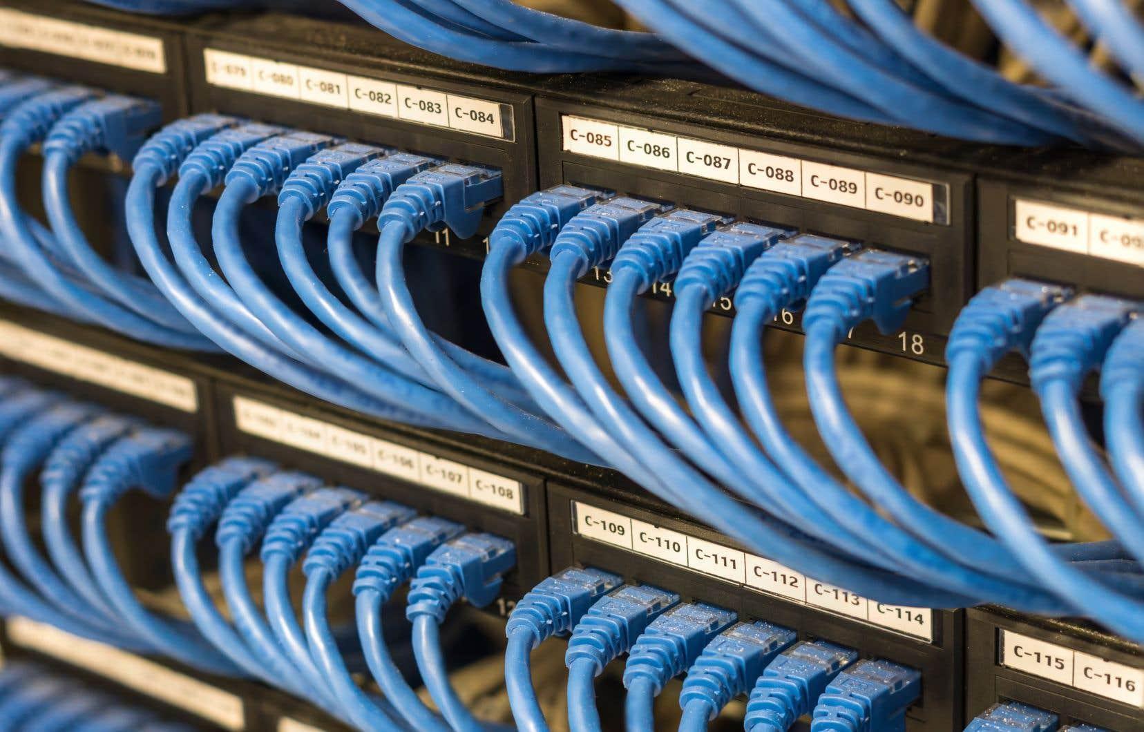 D'ici trois ans, Québec veut rassembler ses 457 centres de données en deux centres d'infonuagiques et songe à deux multinationales américaines, pour s'en occuper.