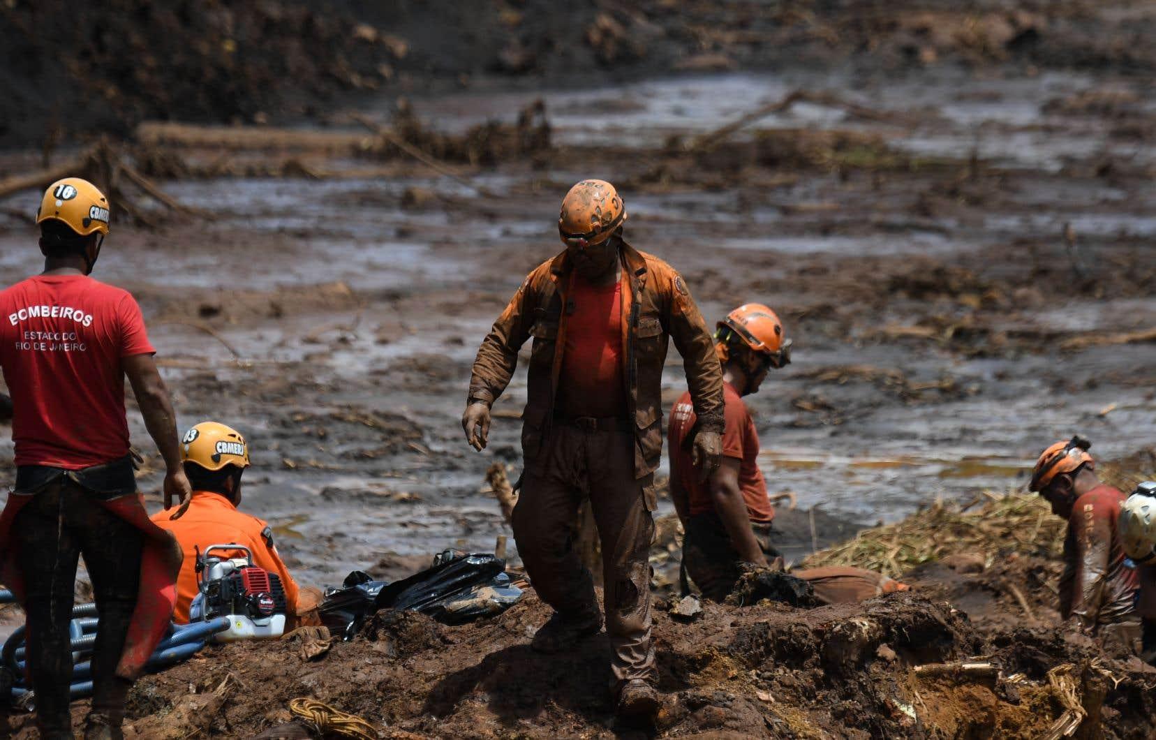 <p>Au treizième jour de recherches, les pompiers ont précisé que 134 des 150 corps avaient été identifiés.</p>