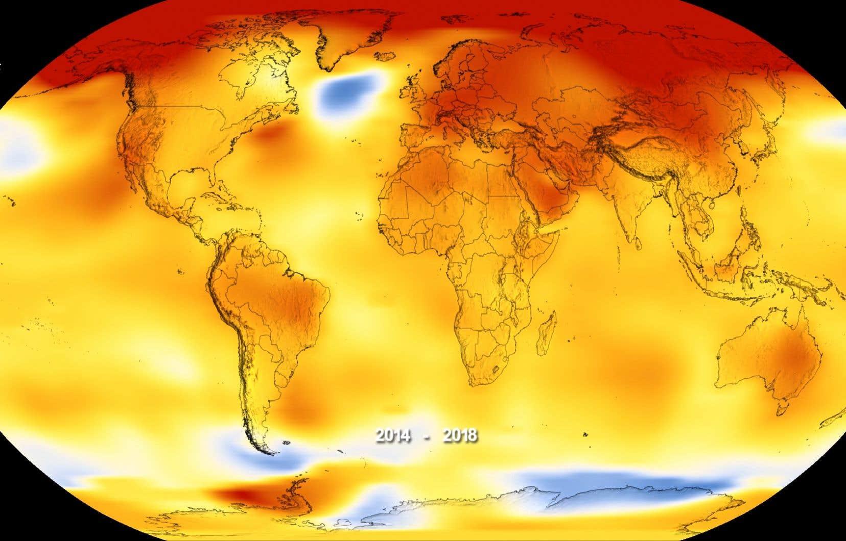 Sur cette carte, le rouge indique des températures au-delà des normales; le bleu, des températures inférieures.
