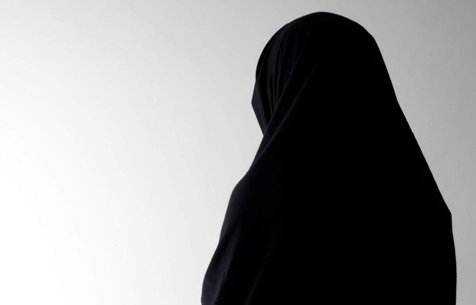 «Le débat sur les signes religieux a donné lieu à un amalgame avec les symboles d'oppressiondes femmes», selon les auteures.