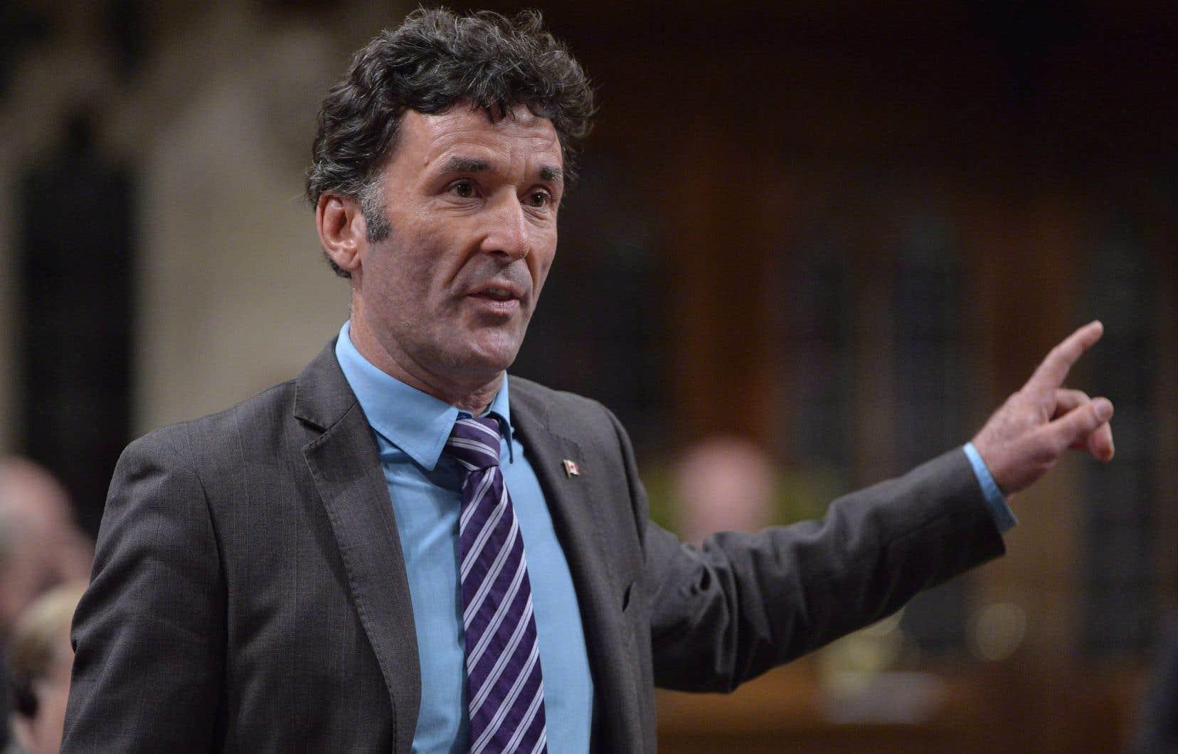Paul Dewar est connu pour avoir été député fédéral de la circonscription d'Ottawa-Centre de 2006 à 2015.