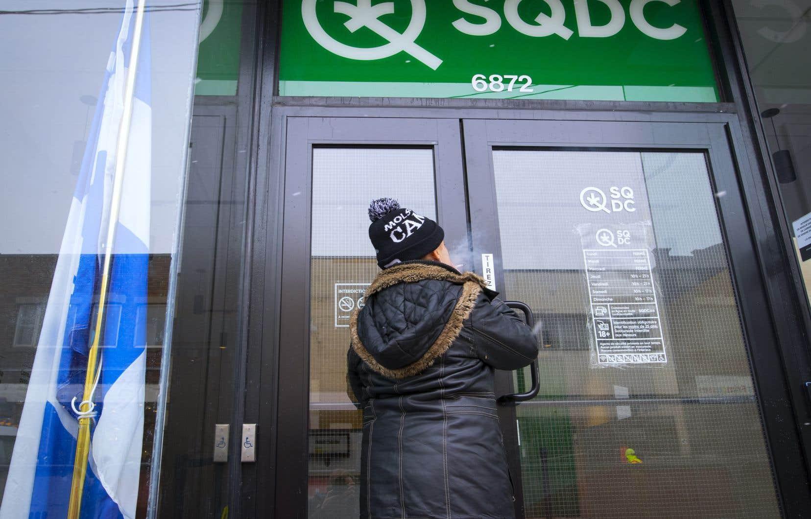 <p>Les deux autres succursales de la SQDC qui sont présentement dotées d'un syndicat des TUAC-FTQ sont celles de Rimouski et Rosemont– LaPetite-Patrie, à Montréal.</p>