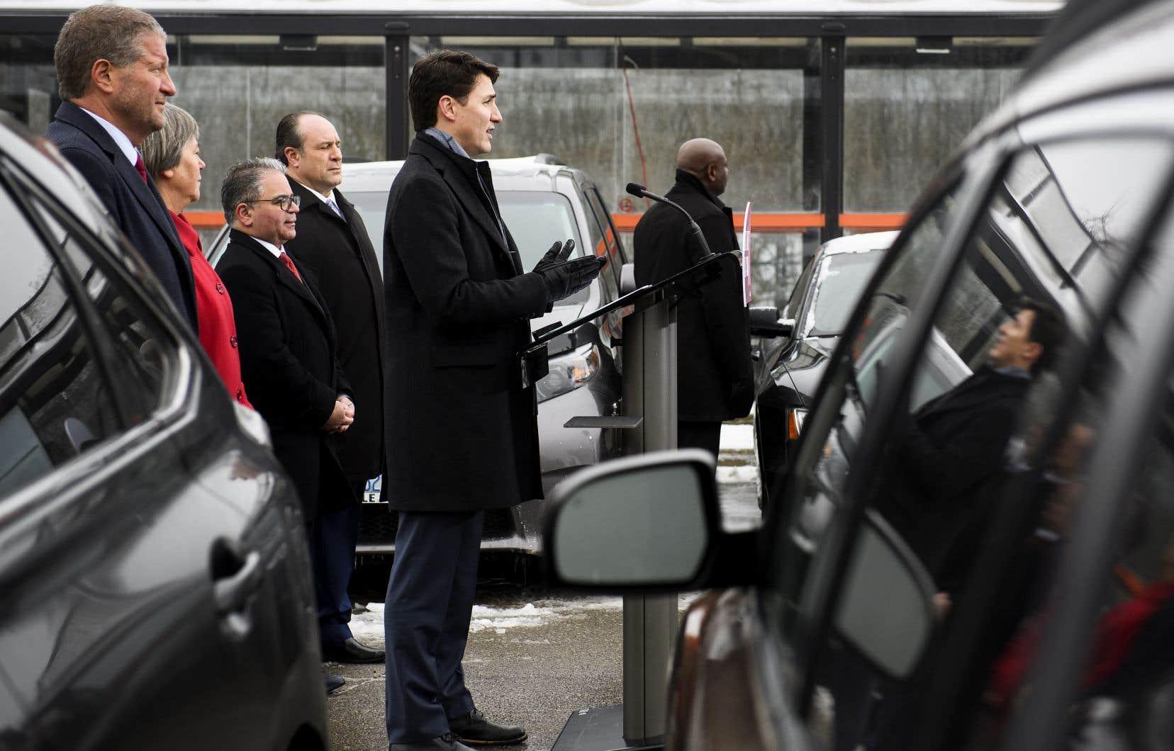 Le premier ministre Justin Trudeau était en tournée dans la banlieue de Toronto, jeudi, quand il a été appelé à commenter les révélations du quotidien «Globe and Mail».