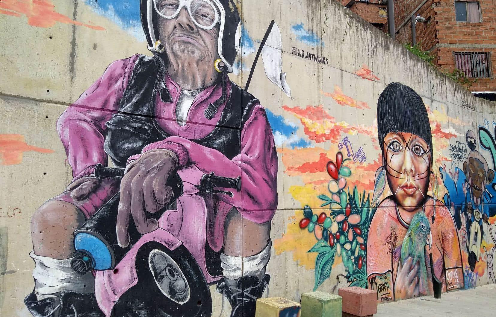 À la faveur d'une diminution de la criminalité et de la paix résultant des accords de 2016 avec la vieille guérilla des FARC, le pays vit une flambée touristique qui réchauffe le portefeuille, mais aussi le cœur des Colombiens, heureux d'avoir de la visite après des décennies de troubles.