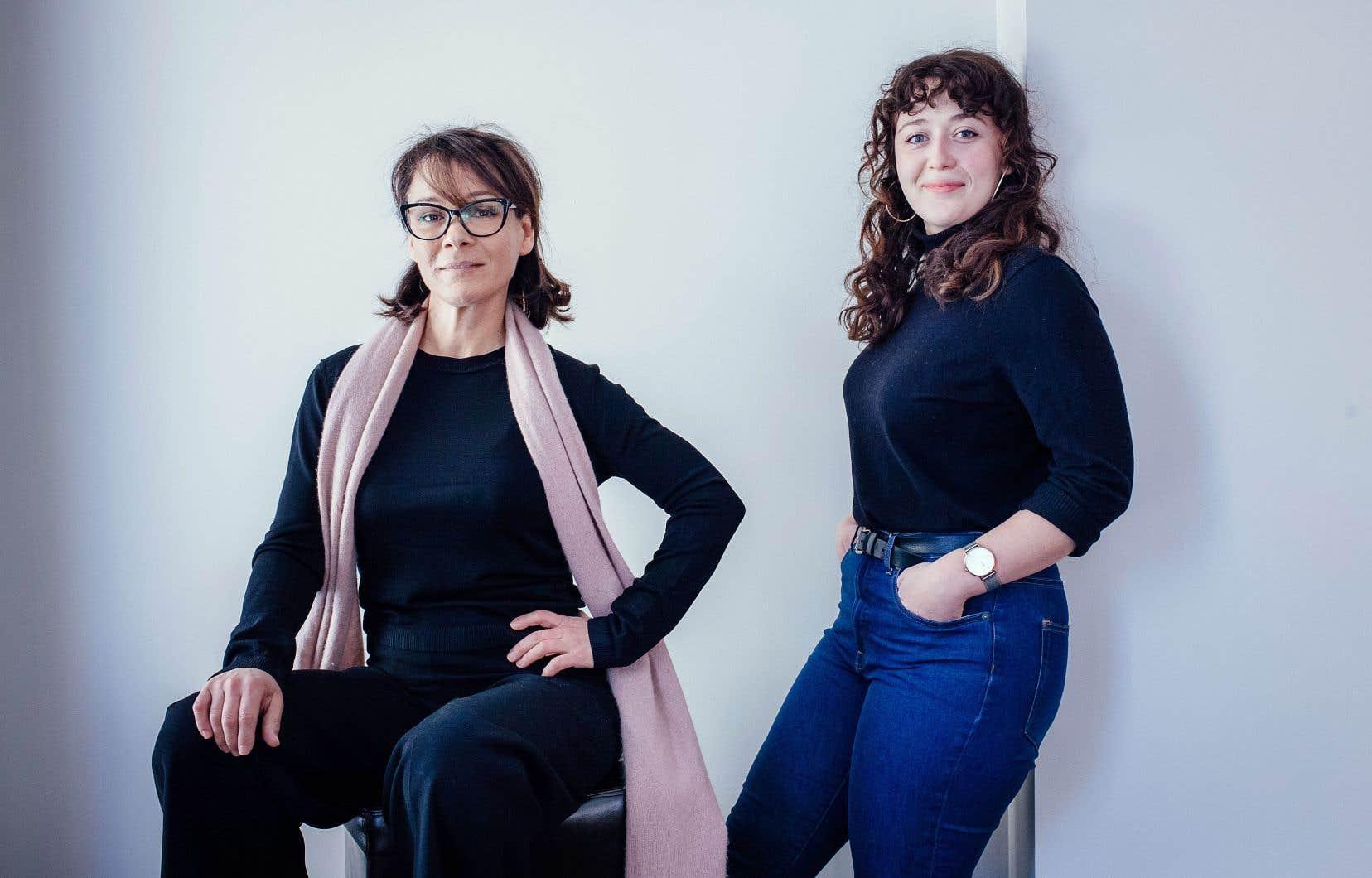 Les comédiennes Rose-Anne Déry et Sandrine Bisson jouent des sœurs dans la pièce «Le terrier». L'une est enceinte, l'autre vient de perdre son enfant qui était âgé de quatre ans. Toutes deux vivent le deuil de manière différente.