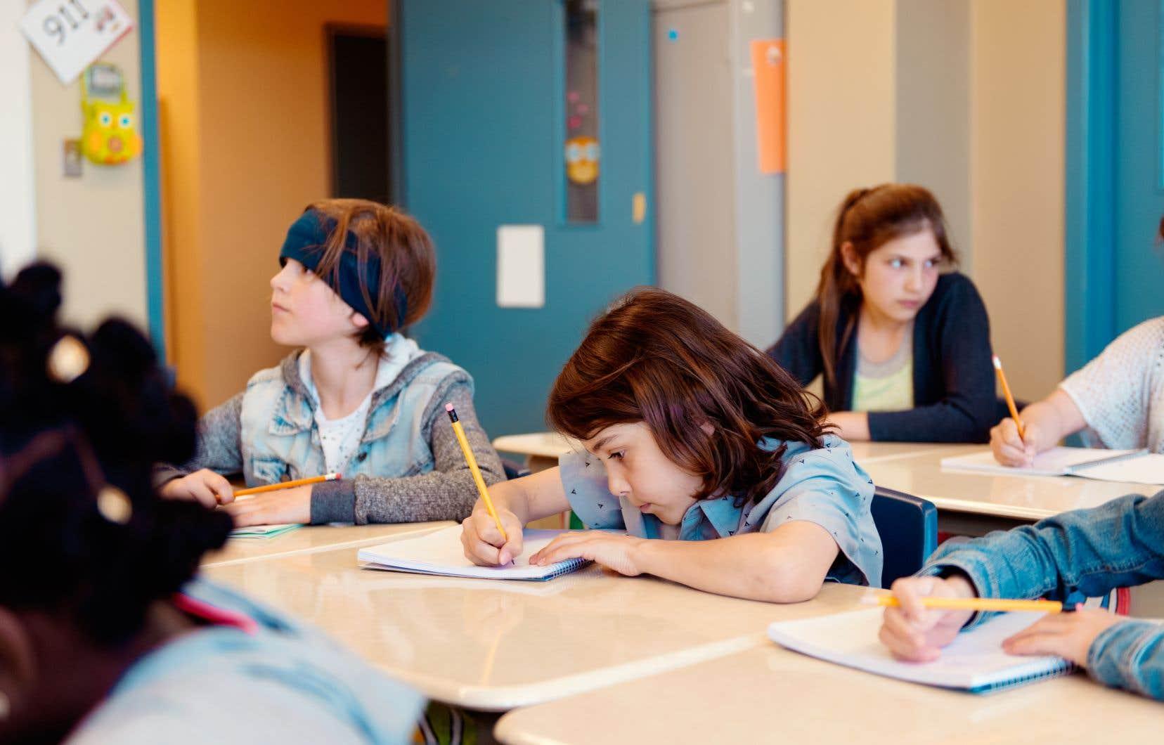 «Nous croyons que l'école a un rôle prépondérant à jouer au regard des besoins des jeunes pour trouver la meilleure façon de les aider», affirment les auteurs.