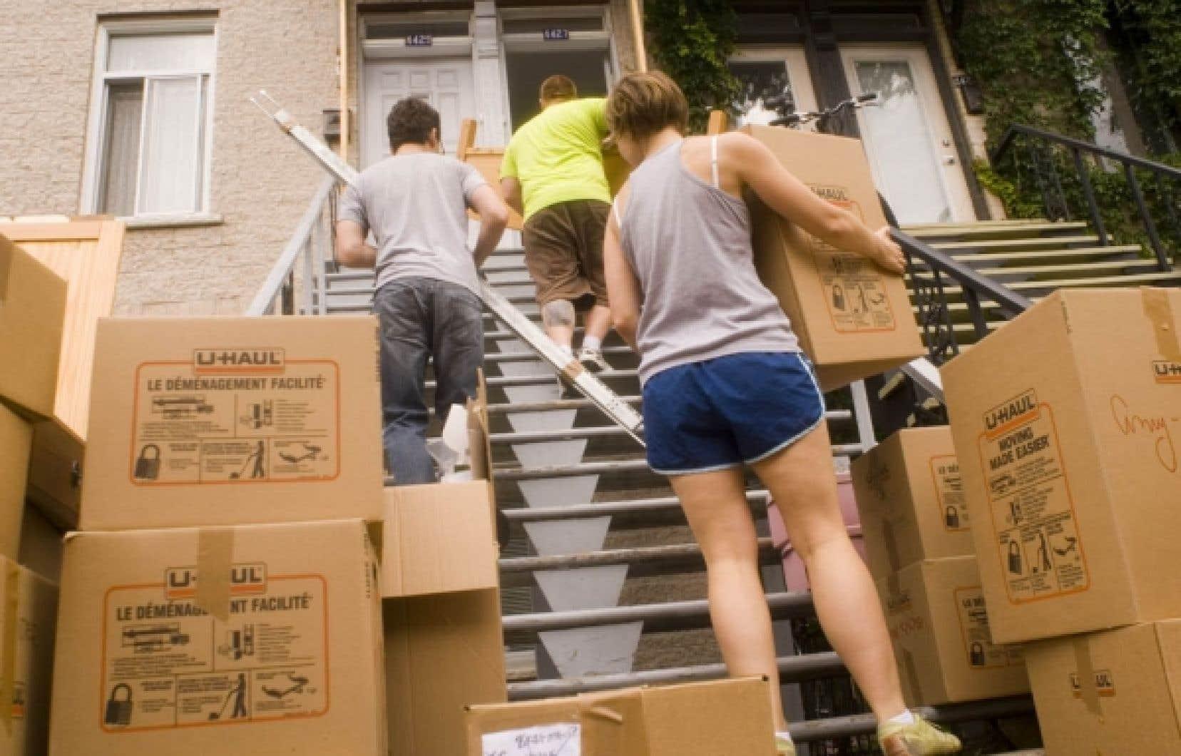 C'était la valse des boîtes, frigos et cuisinières, hier, à l'occasion du 1er juillet, journée où la plupart des déménagements se font au Québec.<br />