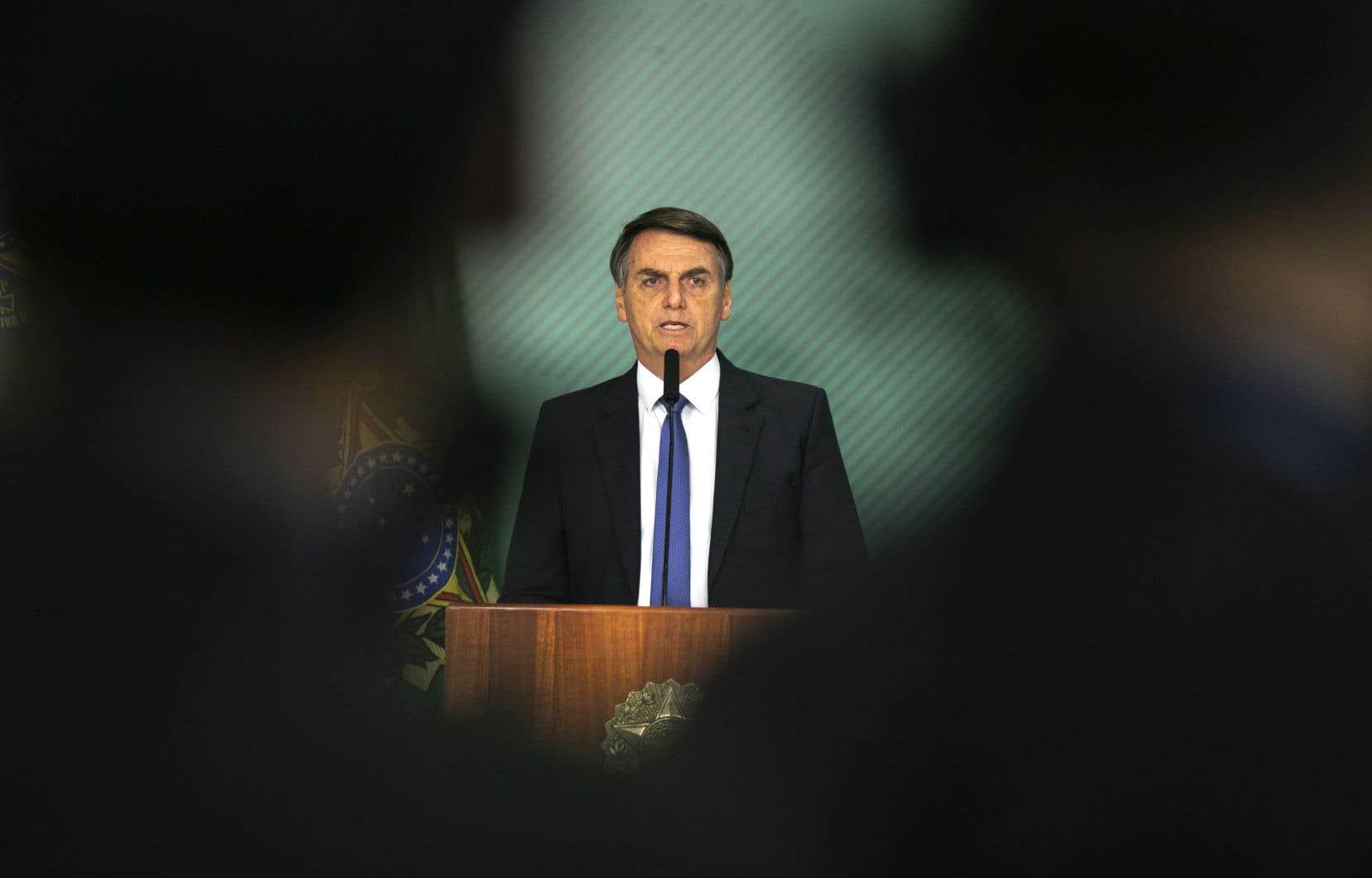 <p>Le président brésilien Jair Bolsonaro s'est dit «consterné» par «cette tragédie»qui a enlevé la vie de jeunes qui entamaient leur chemin vers la réalisation de leurs rêves professionnels.</p>