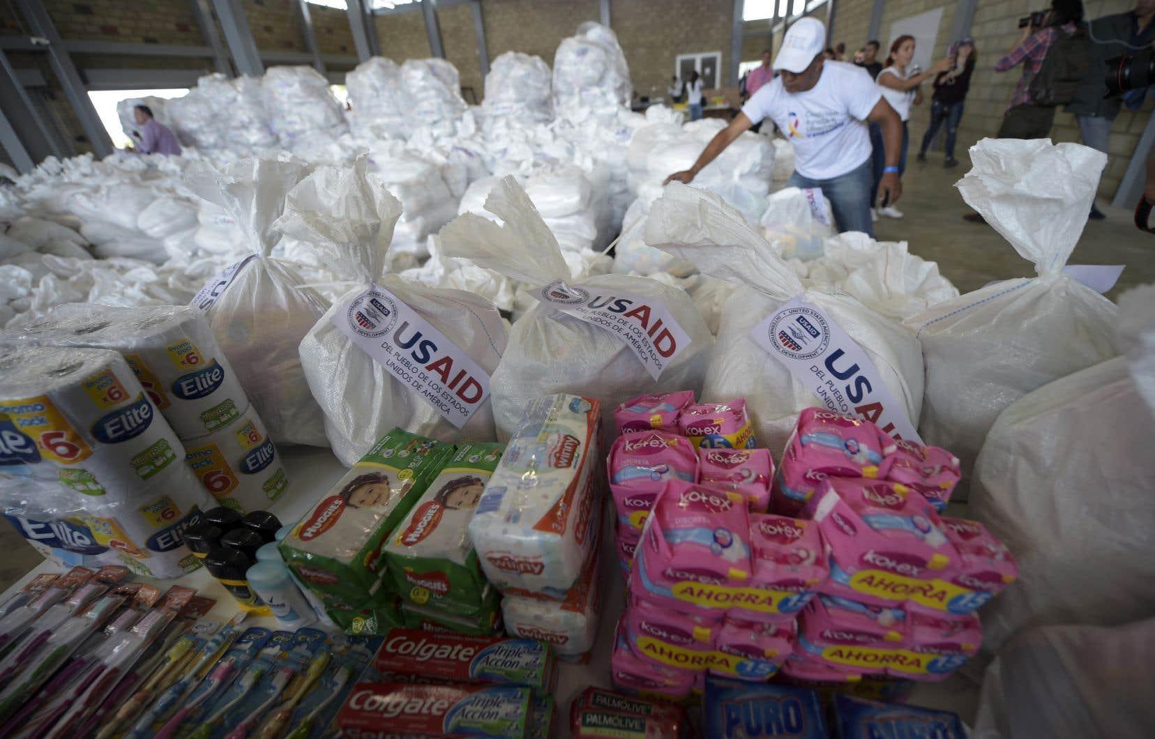 Les premiers camions d'aide humanitaire sont arrivés dans la ville frontalière de Cúcuta, où se concentre désormais l'attention de la crise vénézuélienne.