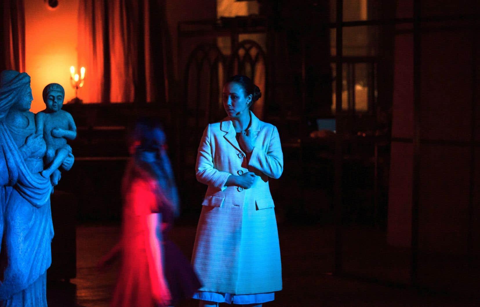 Andrea Nuñez porte avec ardeur son rôle de gouvernantedans «The Turn of the Screw».