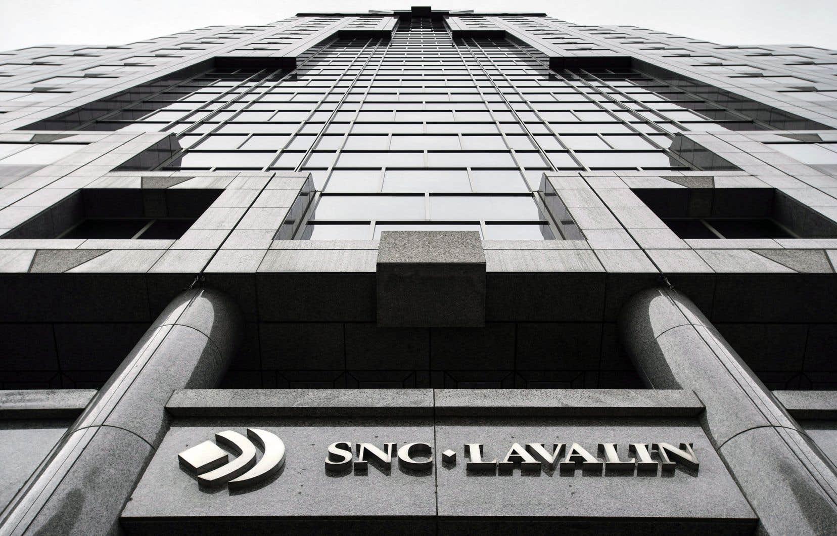 Partout, des entreprises «too big to jail» (TBTJ) comme SNC-Lavalin évitent les tribunaux en raison de leur poids économique et politique, remarque l'auteur.
