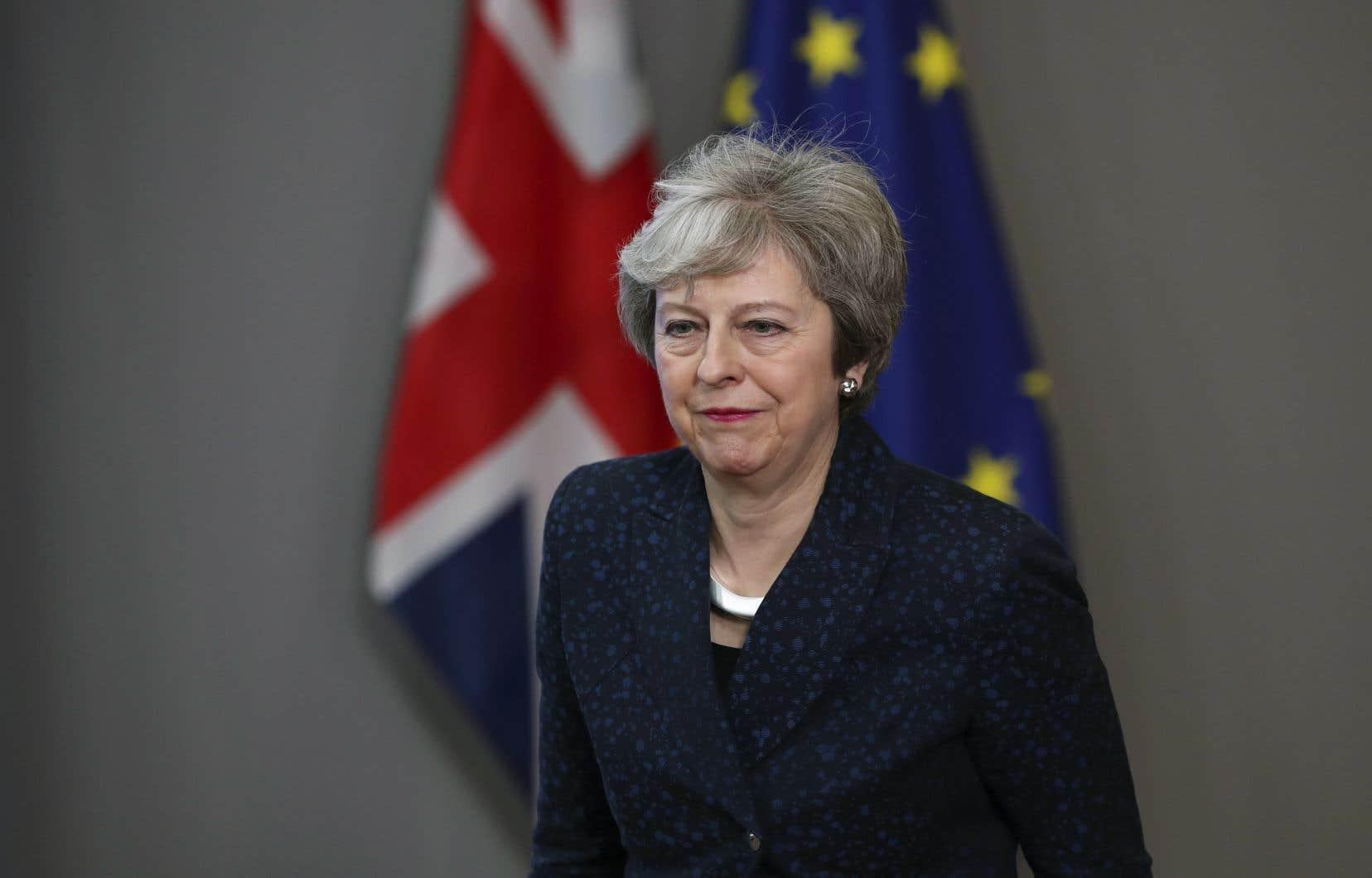 Theresa May a repoussé du revers de la main dimanche la proposition du chef du Parti travailliste, Jeremy Corbyn, d'offrir à Bruxelles un Brexit qui s'inscrirait dans une union douanière «permanente et globale» avec l'Europe.